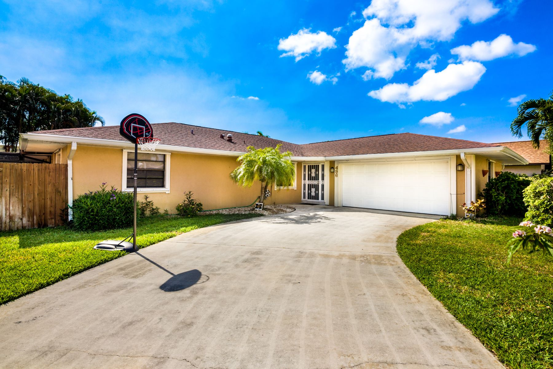 Single Family Homes for Sale at Tortoise View Estates 496 Tortoise View Circle Satellite Beach, Florida 32937 United States