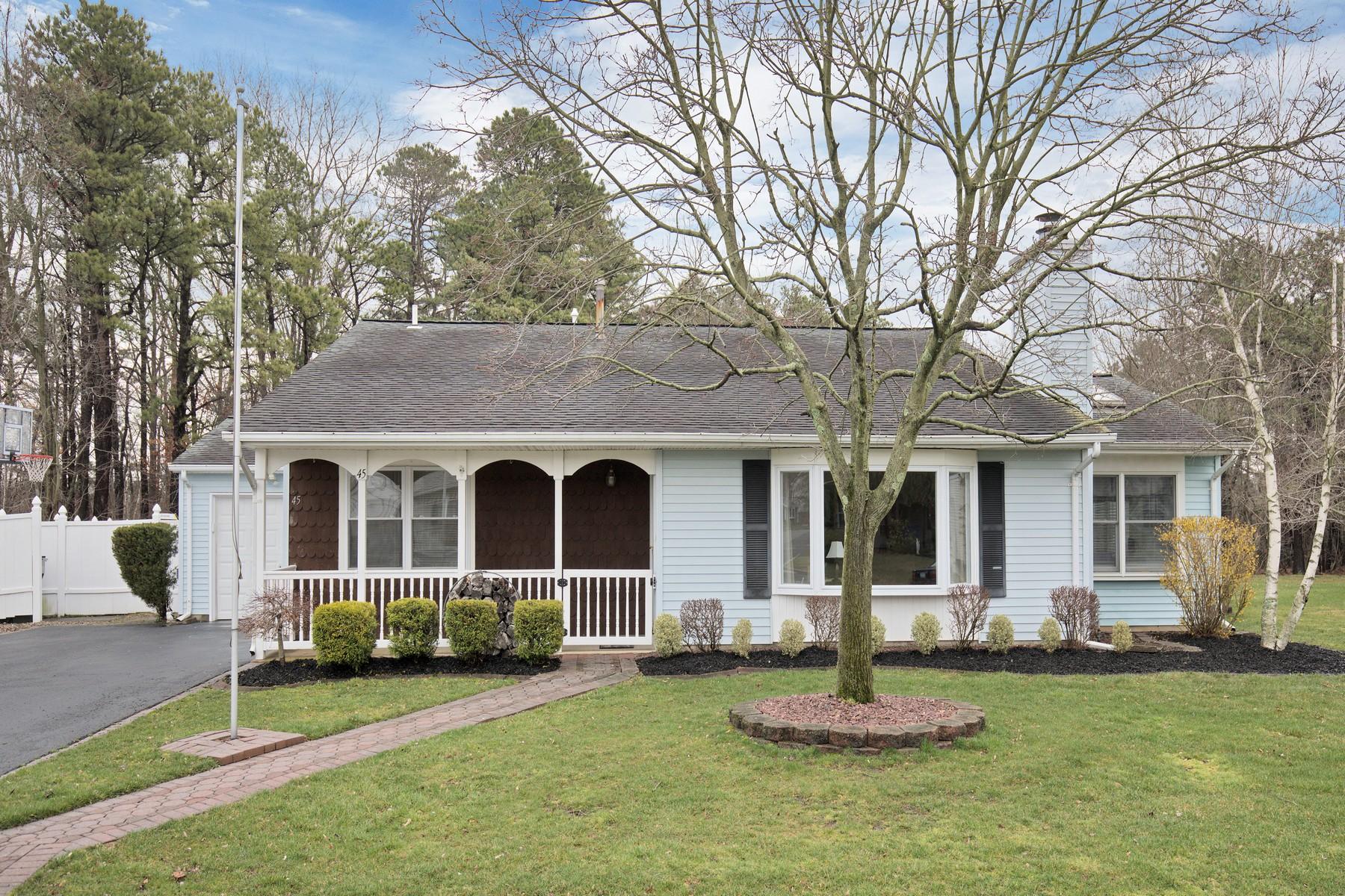 Villa per Vendita alle ore Spacious Park Place Ranch 45 Colonial Drive Tinton Falls, New Jersey, 07753 Stati Uniti