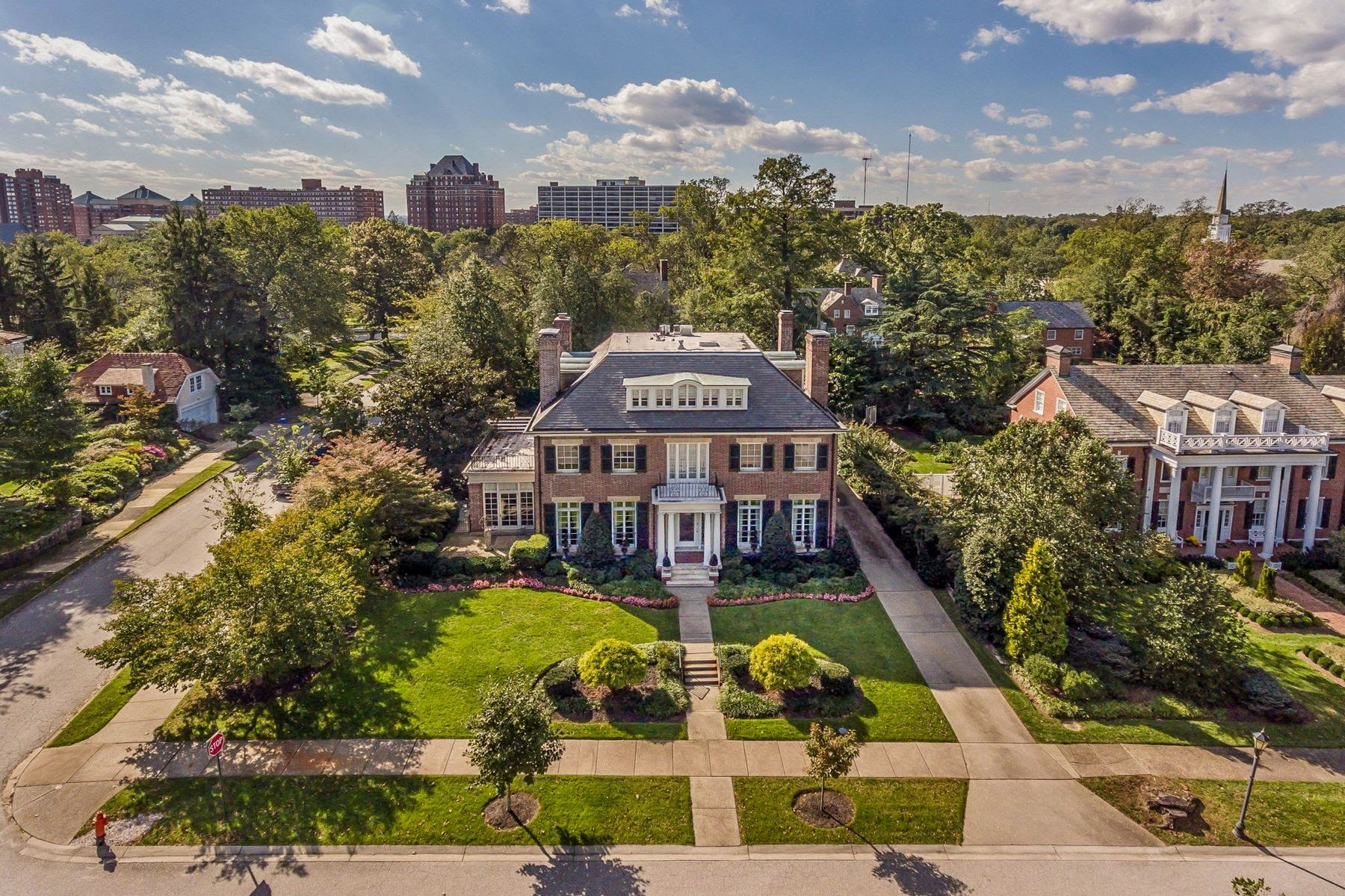 Single Family Homes 为 销售 在 Guilford 4100 Greenway 巴尔的摩, 马里兰州 21218 美国