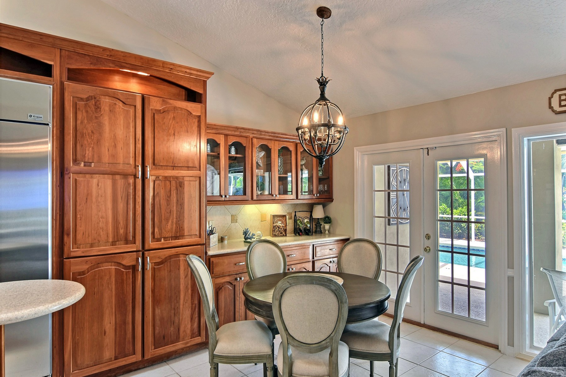 Additional photo for property listing at Boats, Jet Skis, Swimming, and Ooooooh, This Home! 260 Sea Gull Avenue Vero Beach, Florida 32960 United States