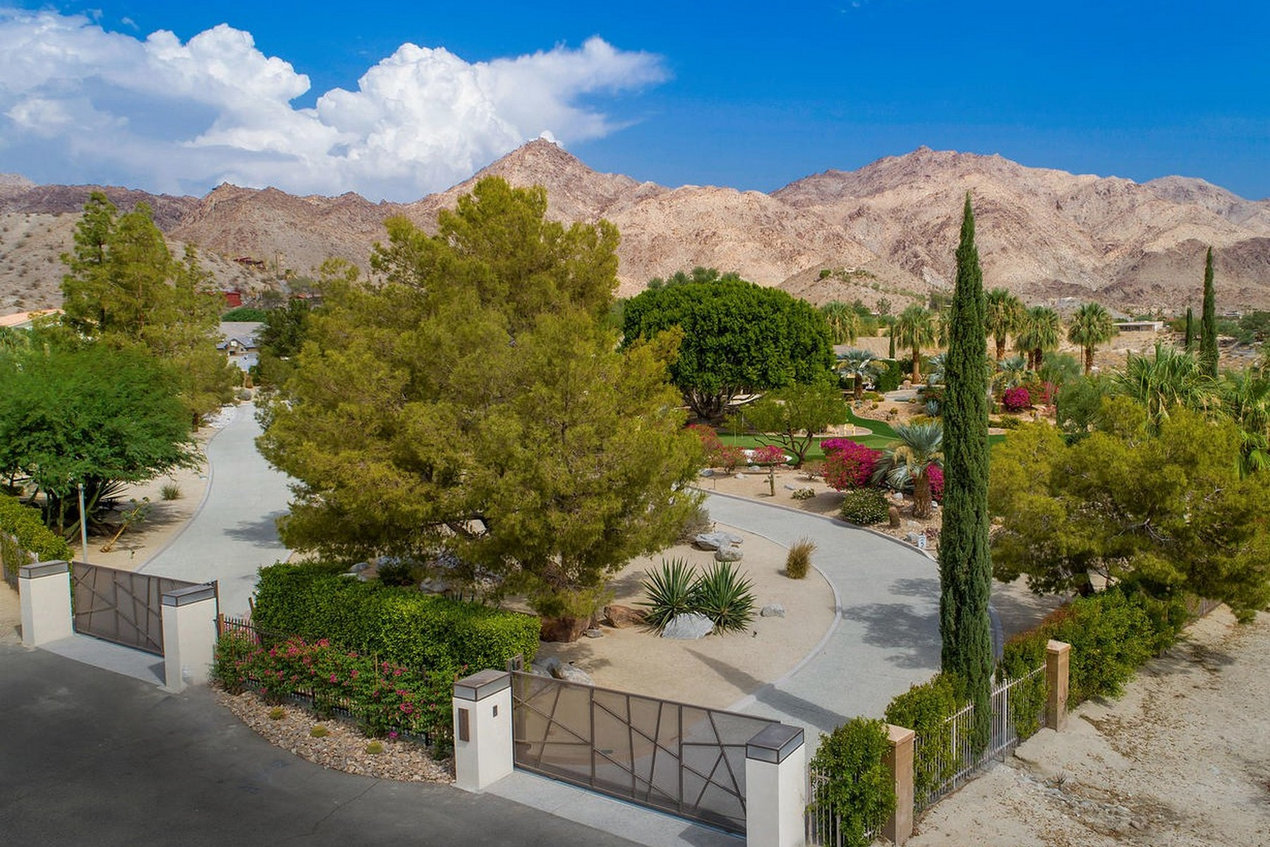 Single Family Homes for Active at 71450 Cholla Way Palm Desert, California 92260 United States