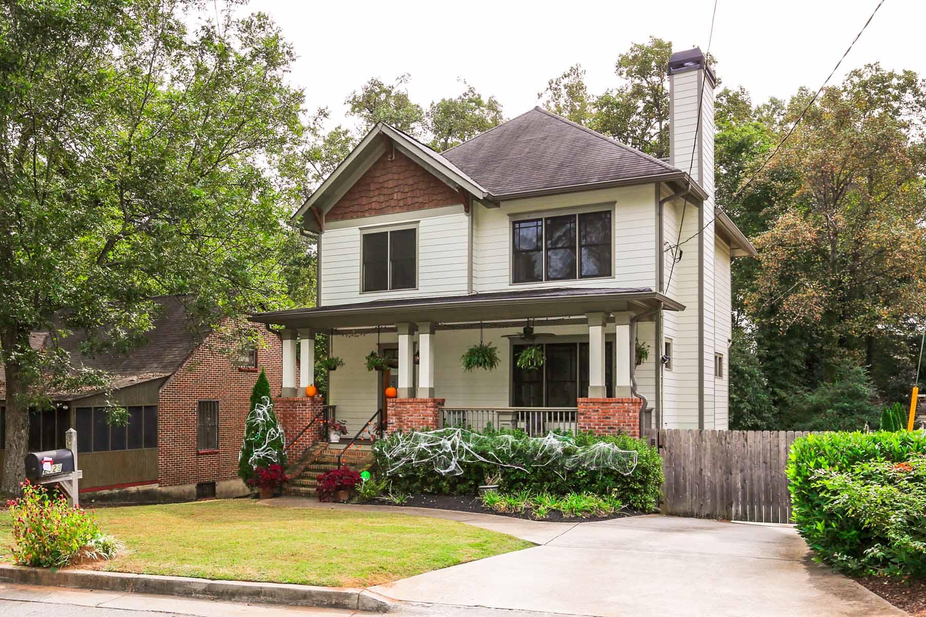 Nhà ở một gia đình vì Bán tại Charming Kirkwood Craftsman Home 2129 Oakview Road Atlanta, Georgia 30317 Hoa Kỳ