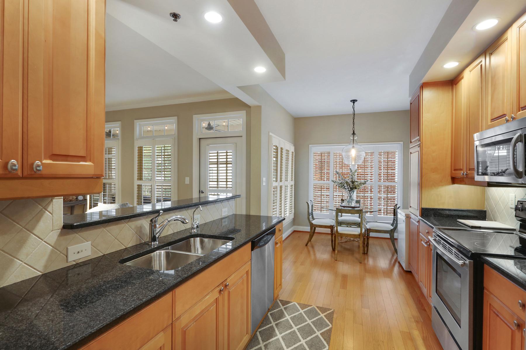 Condominium for Sale at Beautiful Buckhead Condo 50 Biscayne Dr 4104 Atlanta, Georgia 30309 United States