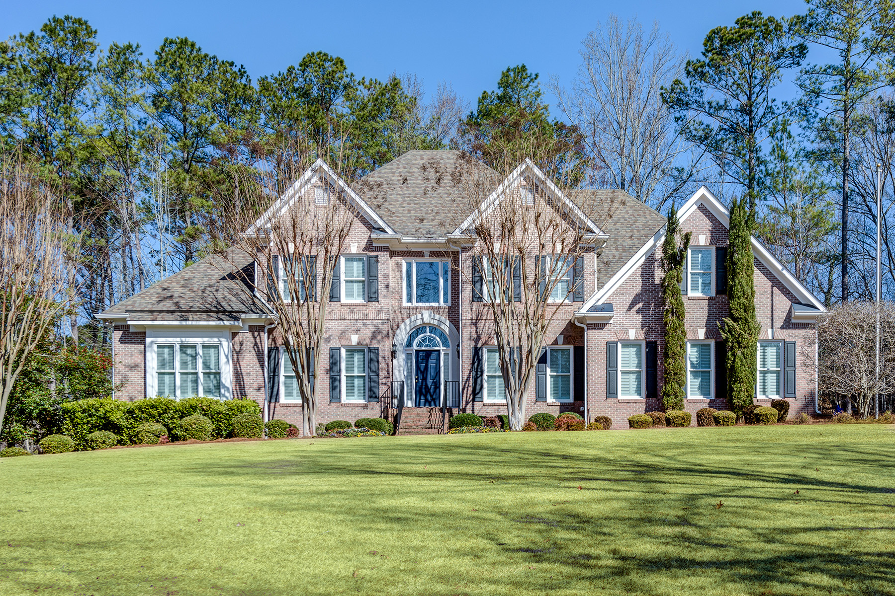 Single Family Home for Sale at Unique Private Setting, Suburban Elegance 2808 Spreading Oaks Drive NW Acworth, Georgia 30101 United States