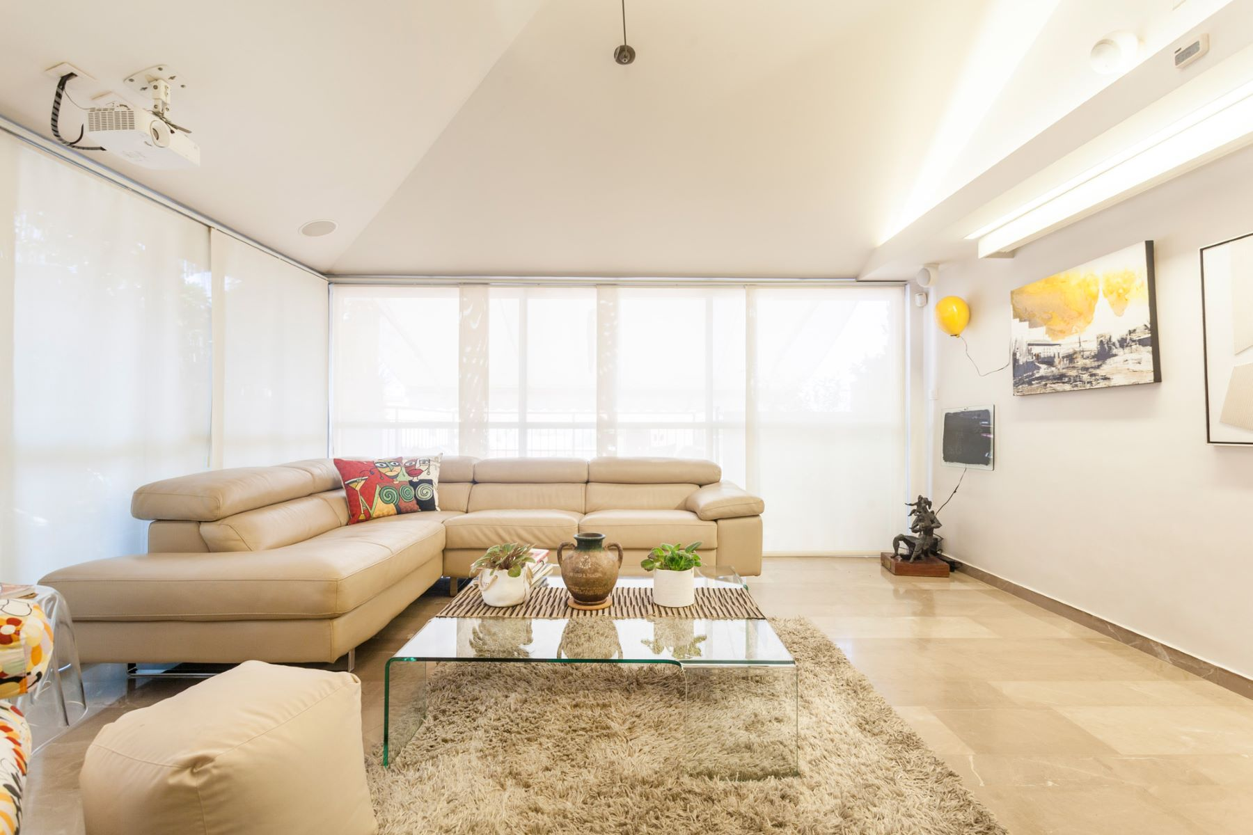 Additional photo for property listing at Unique Elegant Duplex in the Maronite Quarter 佳发, 以色列 以色列
