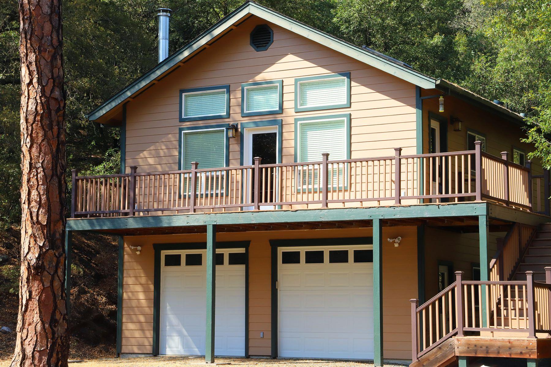 Casa Unifamiliar por un Venta en Private Home on 7+ Acres 15571 Sutter Creek Road Sutter Creek, California 95685 Estados Unidos