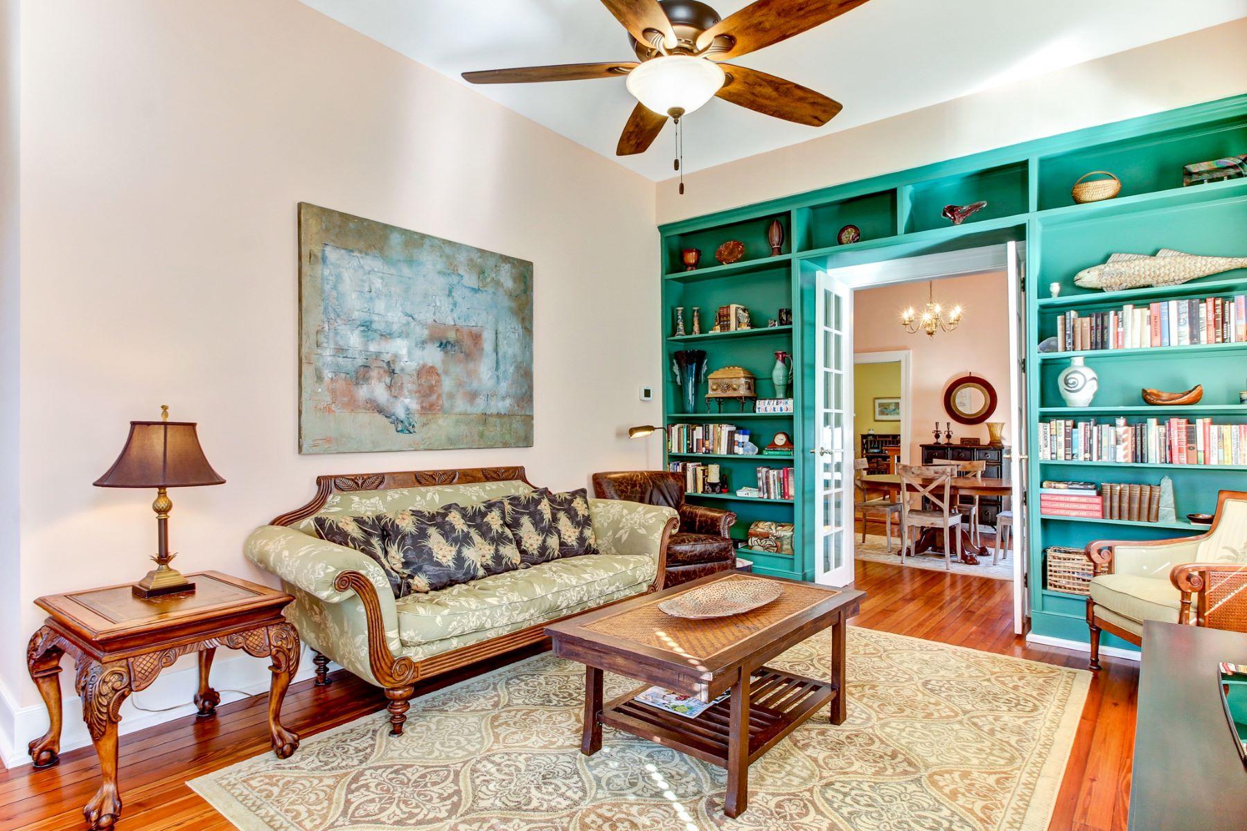 Villa per Vendita alle ore Historic Cottage 404 South 7th Street Fernandina Beach, Florida, 32034 Stati Uniti