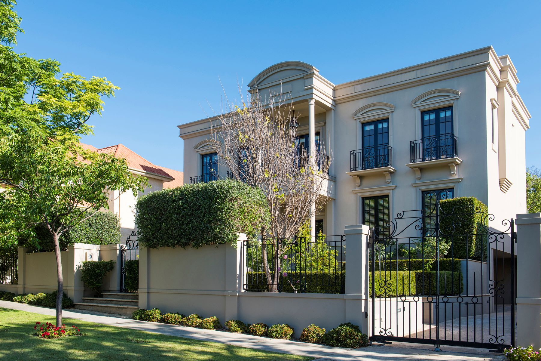Single Family Homes 为 销售 在 A Significant Masterpiece in South Perth 14 Hopetoun Street Perth, Western Australia 6151 澳大利亚