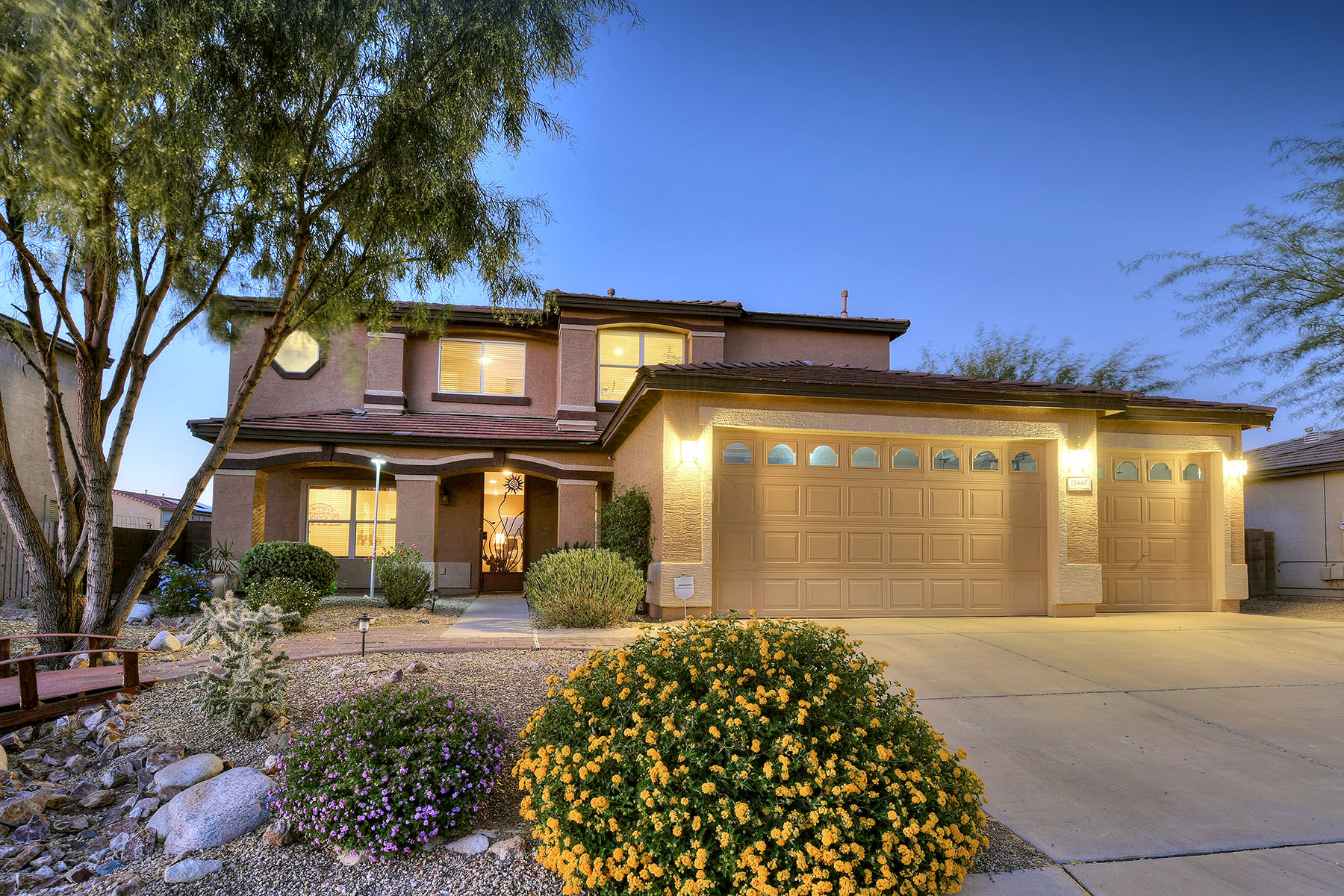 Single Family Homes for Sale at Beautiful Curb Appeal 13447 E Hampden Green Way Vail, Arizona 85641 United States