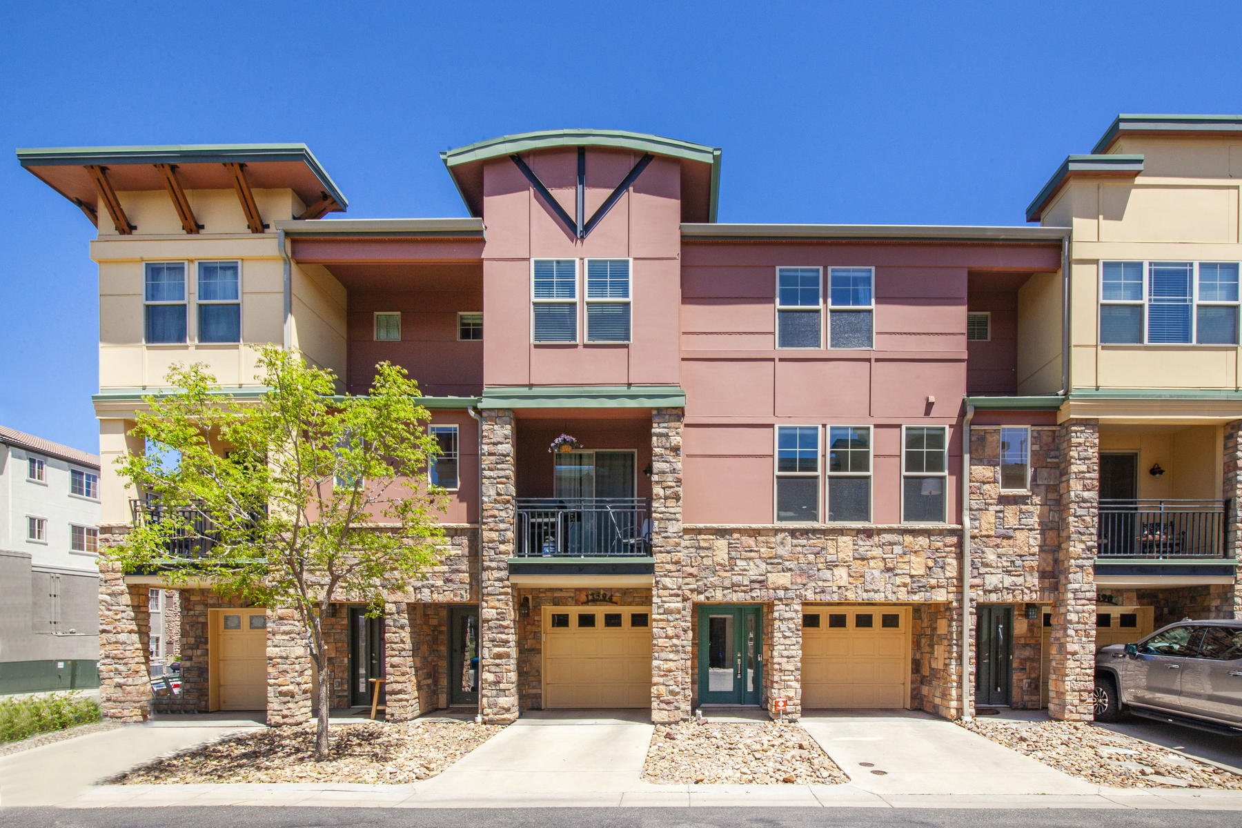 townhouses for Sale at Beautifully updated rowhome in Vantage Pointe. 13592 Via Varra Broomfield, Colorado 80020 United States