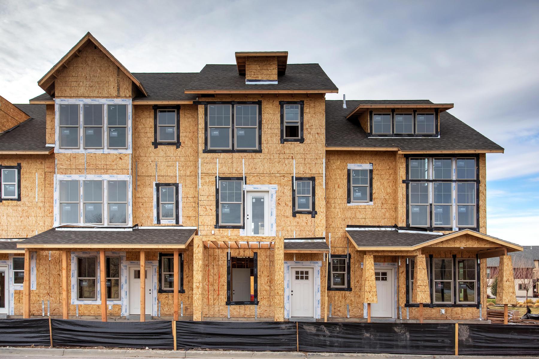 多棟聯建住宅 為 出售 在 New Town Home at The Meadows at Riverbend in Ogden 331 E Park Blvd #60, Ogden, 猶他州, 84401 美國