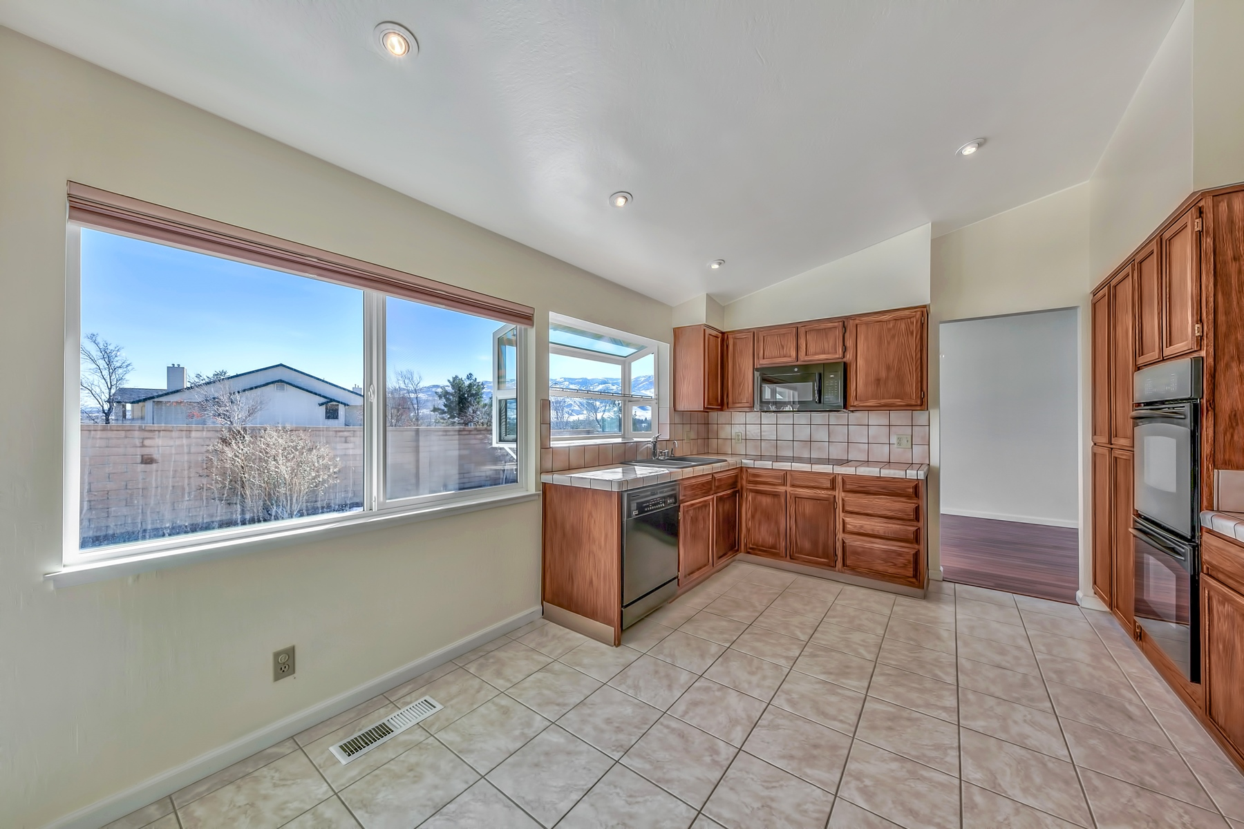 Additional photo for property listing at 6350 Fairhaven Place, Reno, Nevada 89523 6350 Fairhaven Place Reno, Nevada 89523 United States