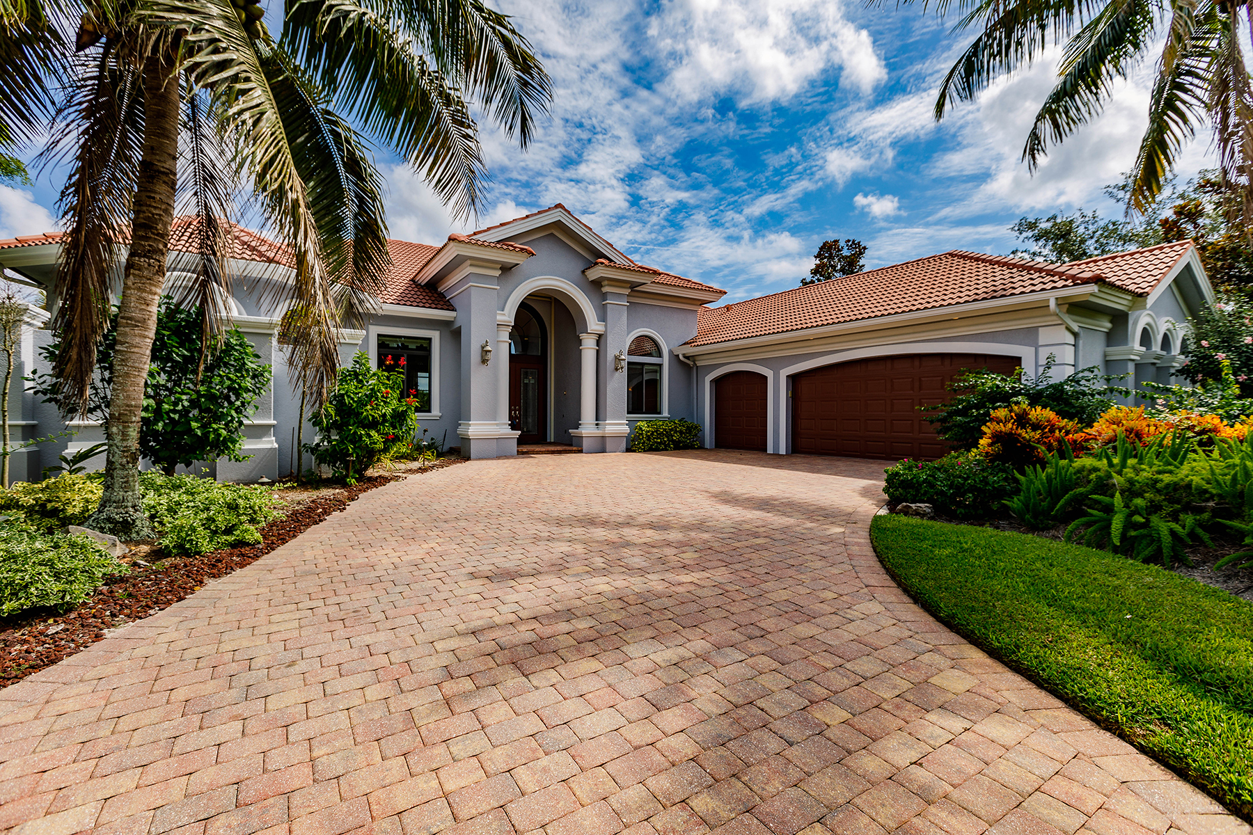 Single Family Homes için Satış at SHADOW WOOD AT THE BROOKS 22351 Banyan Hideaway Drive, Estero, Florida 34135 Amerika Birleşik Devletleri