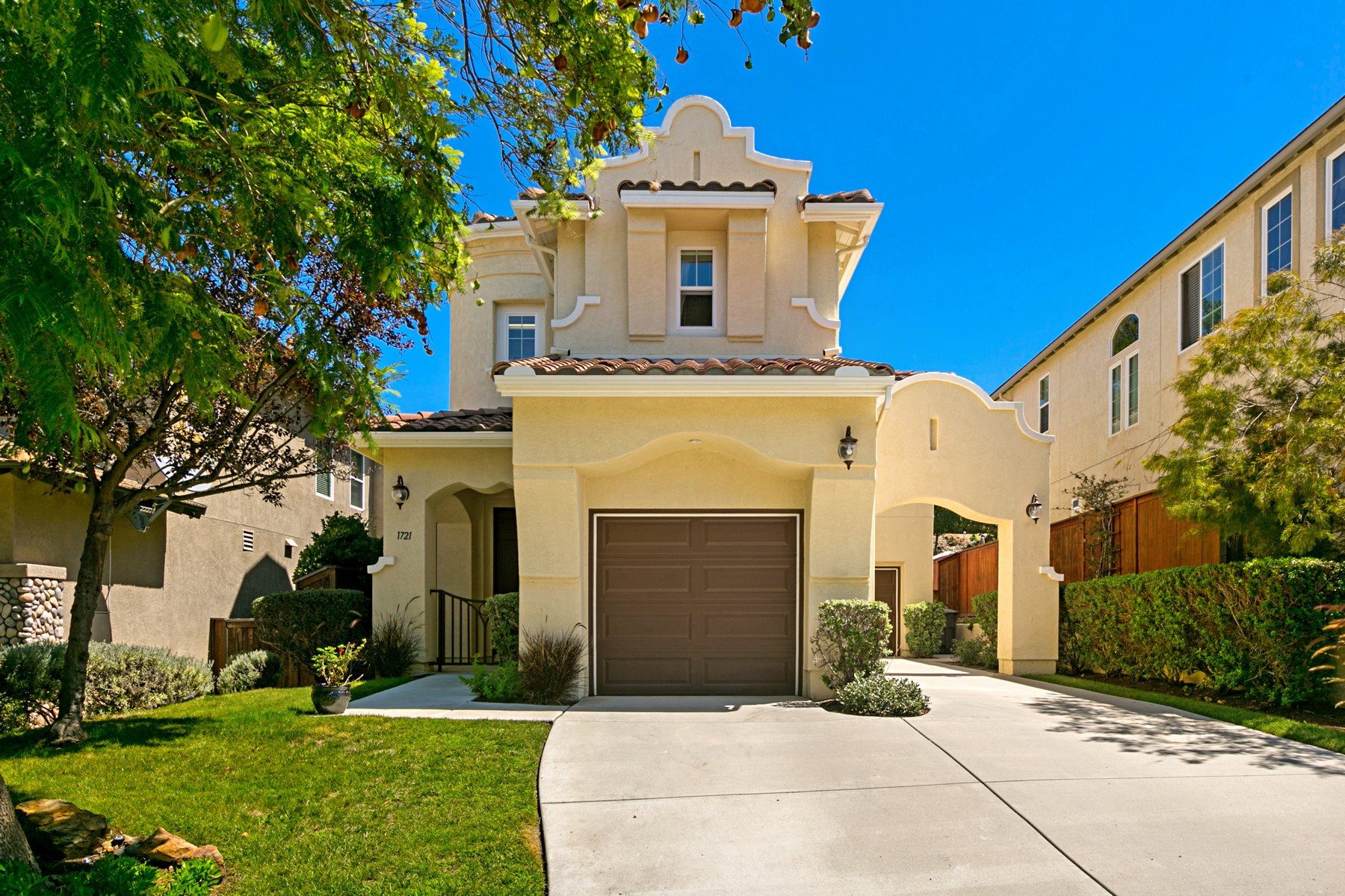 Single Family Homes for Sale at 1721 Kenwood Pl San Marcos, California 92078 United States