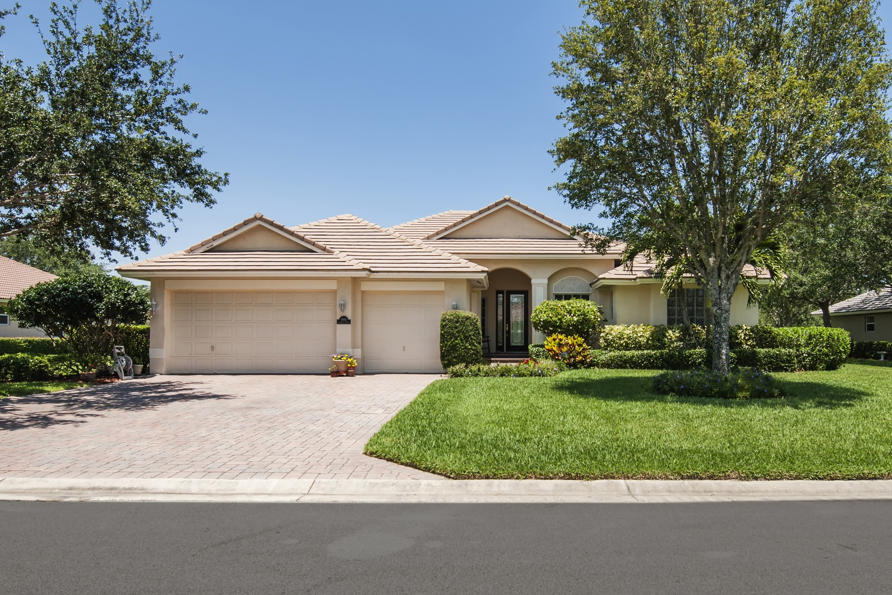 Single Family Home for Sale at Doctor's Row Pool Home in Prestigious Gated Community 4810 Lafayette Place Vero Beach, Florida 32966 United States