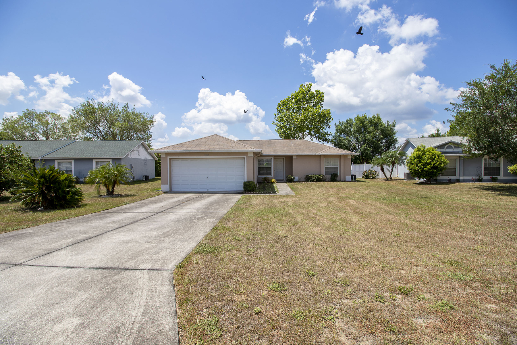 single family homes for Active at 12037 Goldenstar Ln Clermont, Florida 34711 United States