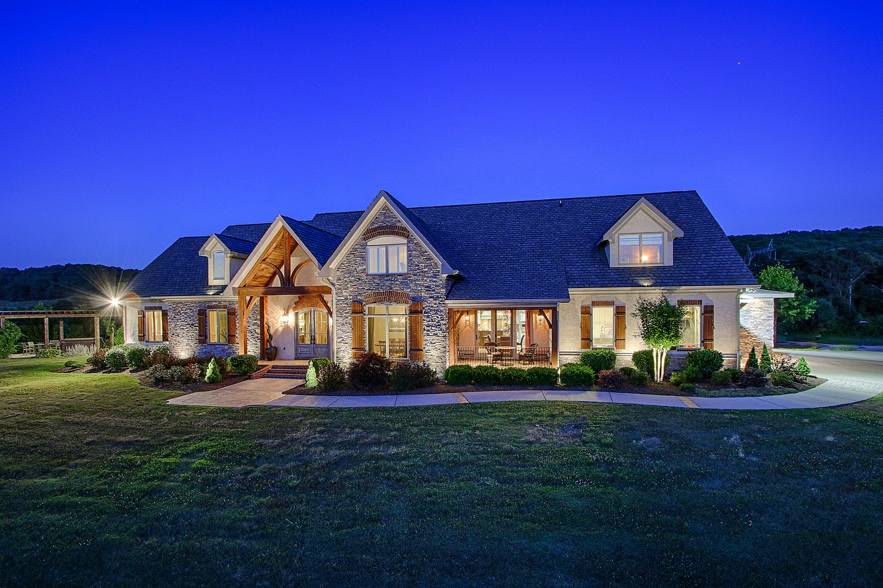 Maison unifamiliale pour l Vente à Clear Water Ranch 12568 Birchwood Pike Harrison, Tennessee 37341 États-Unis