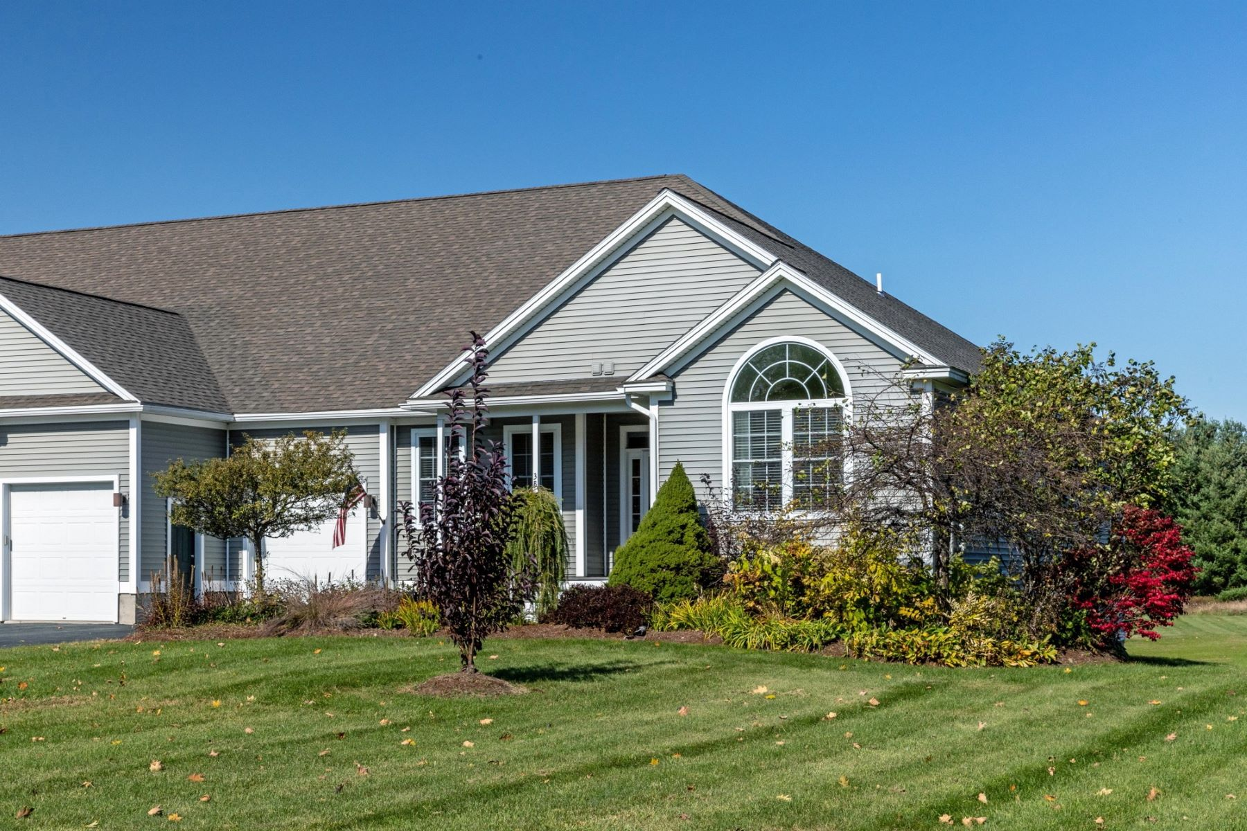 Condominiums for Sale at Stylish and Spacious Town-home in Jericho 3B Black Walnut Lane Jericho, Vermont 05465 United States
