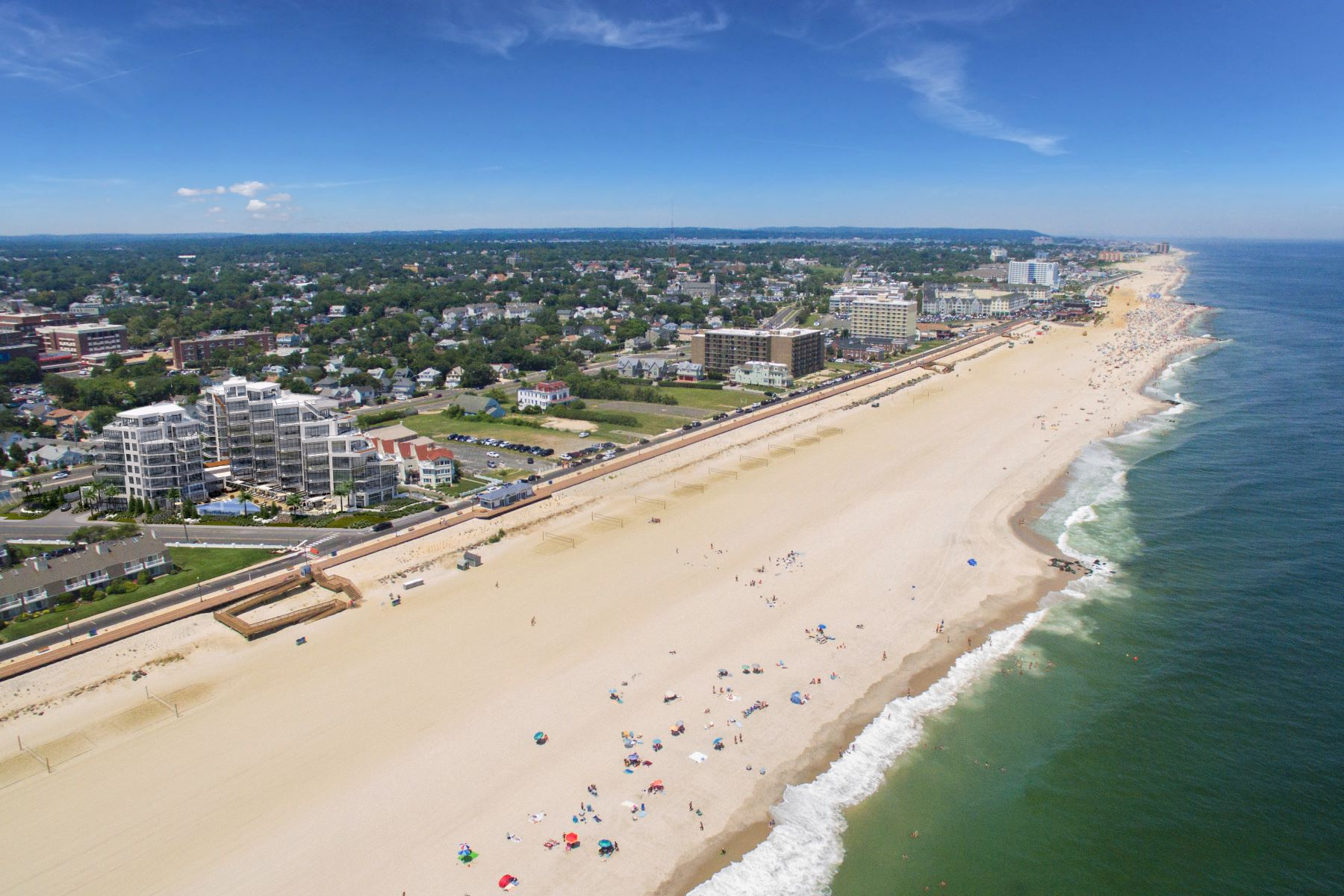 Condominiums por un Venta en South Beach at Long Branch 350 Ocean Avenue 701, Long Branch, Nueva Jersey 07740 Estados Unidos