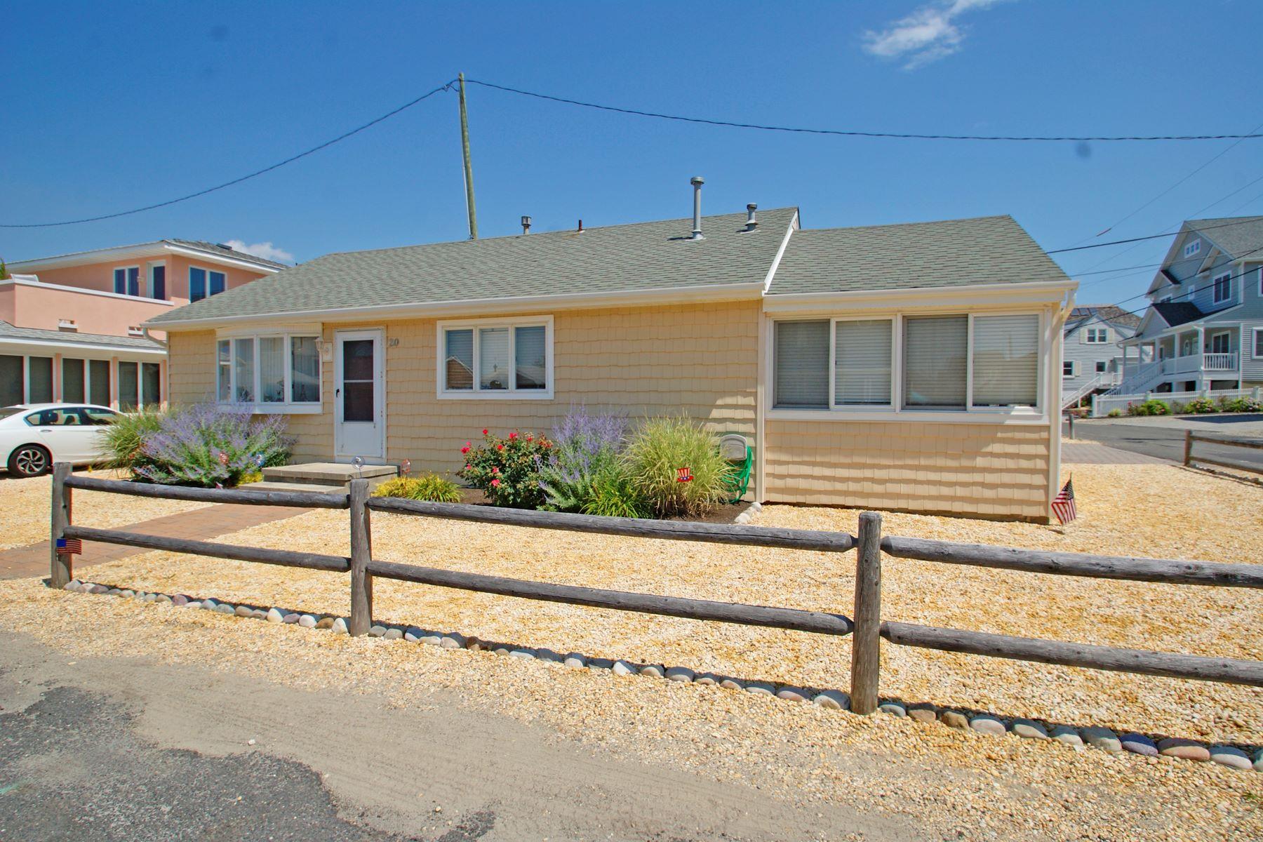 Einfamilienhaus für Verkauf beim Just Steps To From Private Beach Association 20 Peterson Lane, Normandy Beach, New Jersey 08739 Vereinigte Staaten