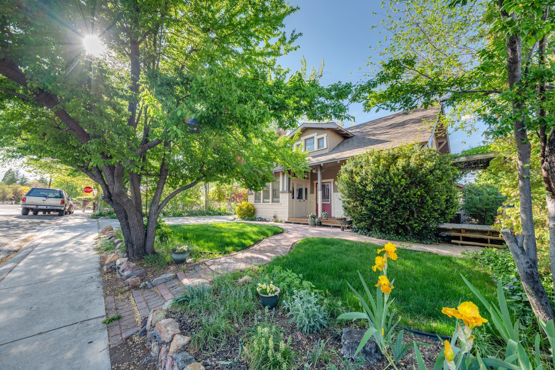Additional photo for property listing at Custom Historical Craftsman 235 Hillcrest Reno, Nevada 89509 United States