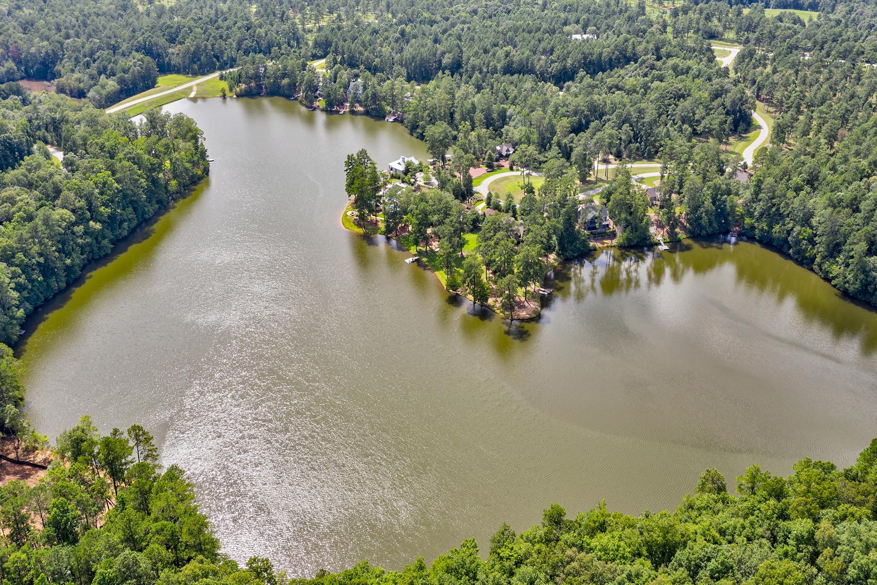 Terreno para Venda às Peaceful and Beautiful Flat Waterfront Lot at Gated Blalock Lakes 99 Blalock Lakes Drive, Newnan, Geórgia 30263 Estados Unidos