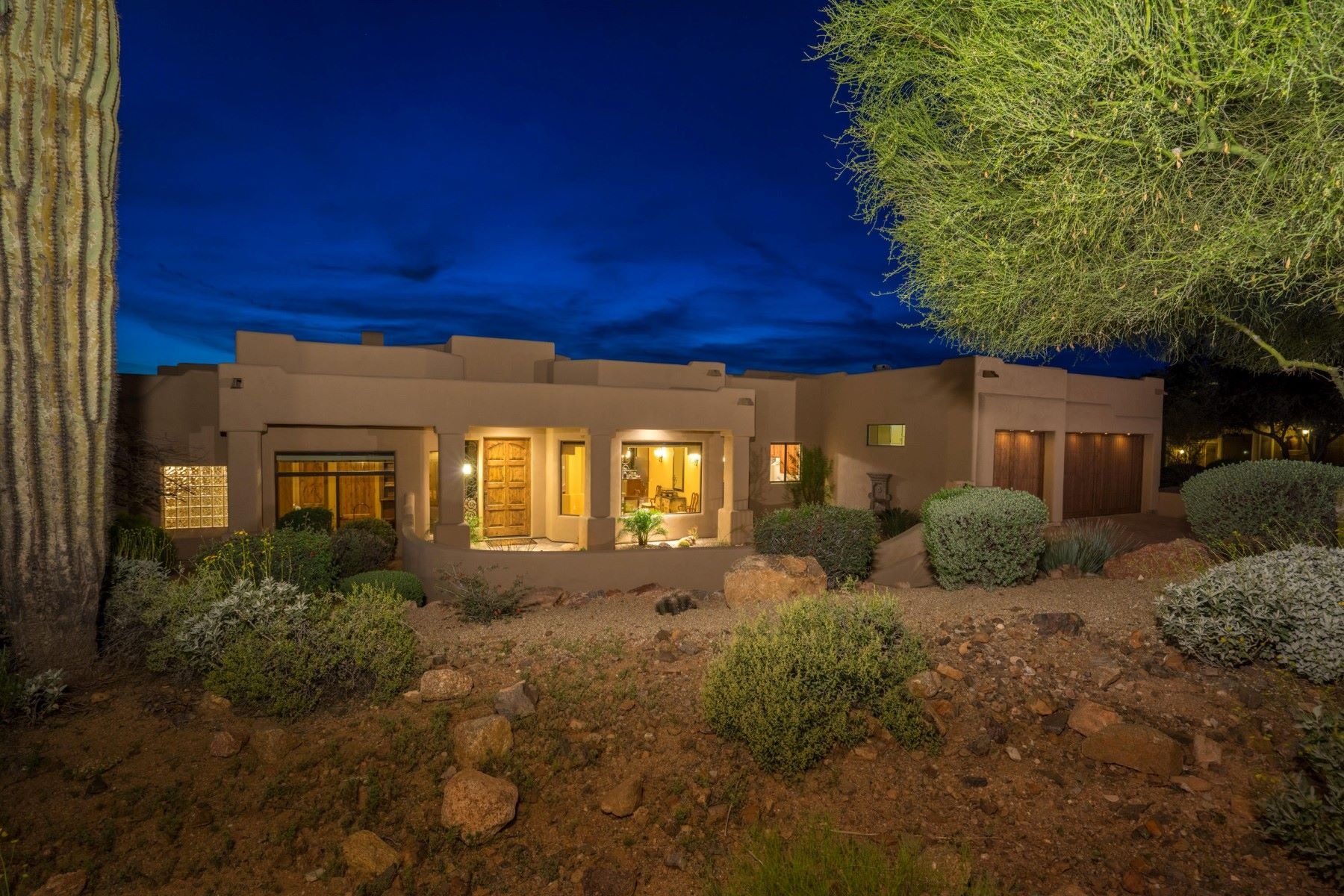 Single Family Home for Sale at Spectacular single level home nestled in FireRock Country Club 9036 N Fireridge Trl Fountain Hills, Arizona, 85268 United States