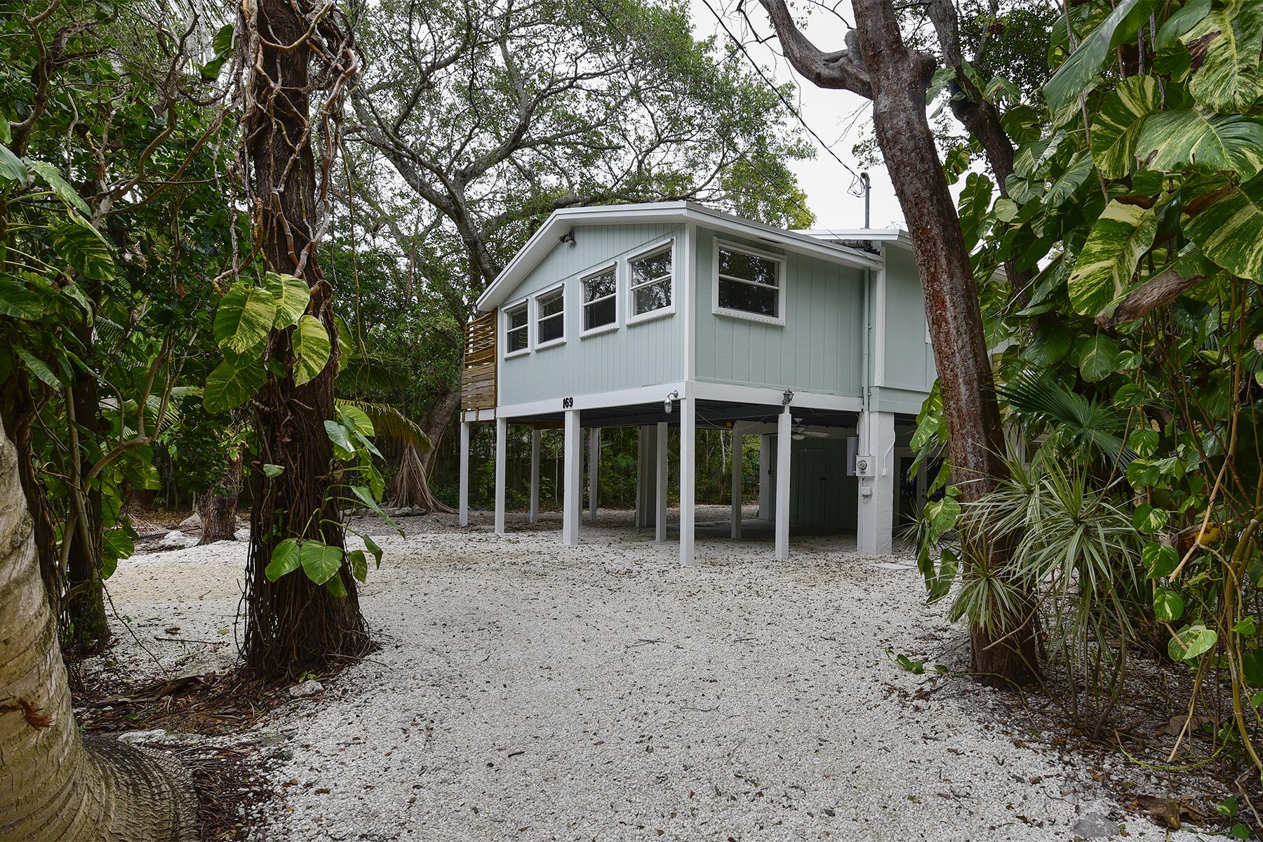 Nhà ở một gia đình vì Bán tại Desirable Location 169 Sebring Drive Plantation Key, Florida, 33036 Hoa Kỳ