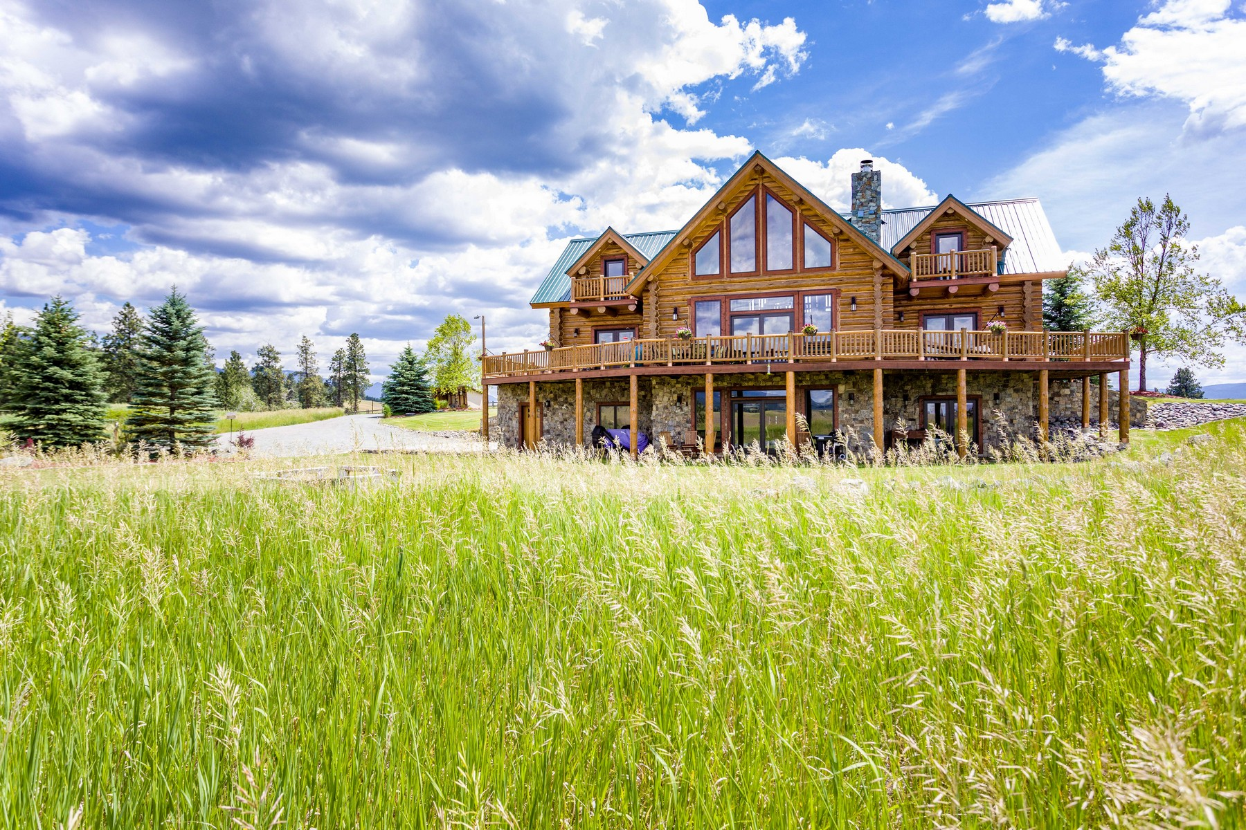 Single Family Homes voor Verkoop op Hand Crafted by Montana Log Homes 622 Wild West Drive, Eureka, Montana 59917 Verenigde Staten