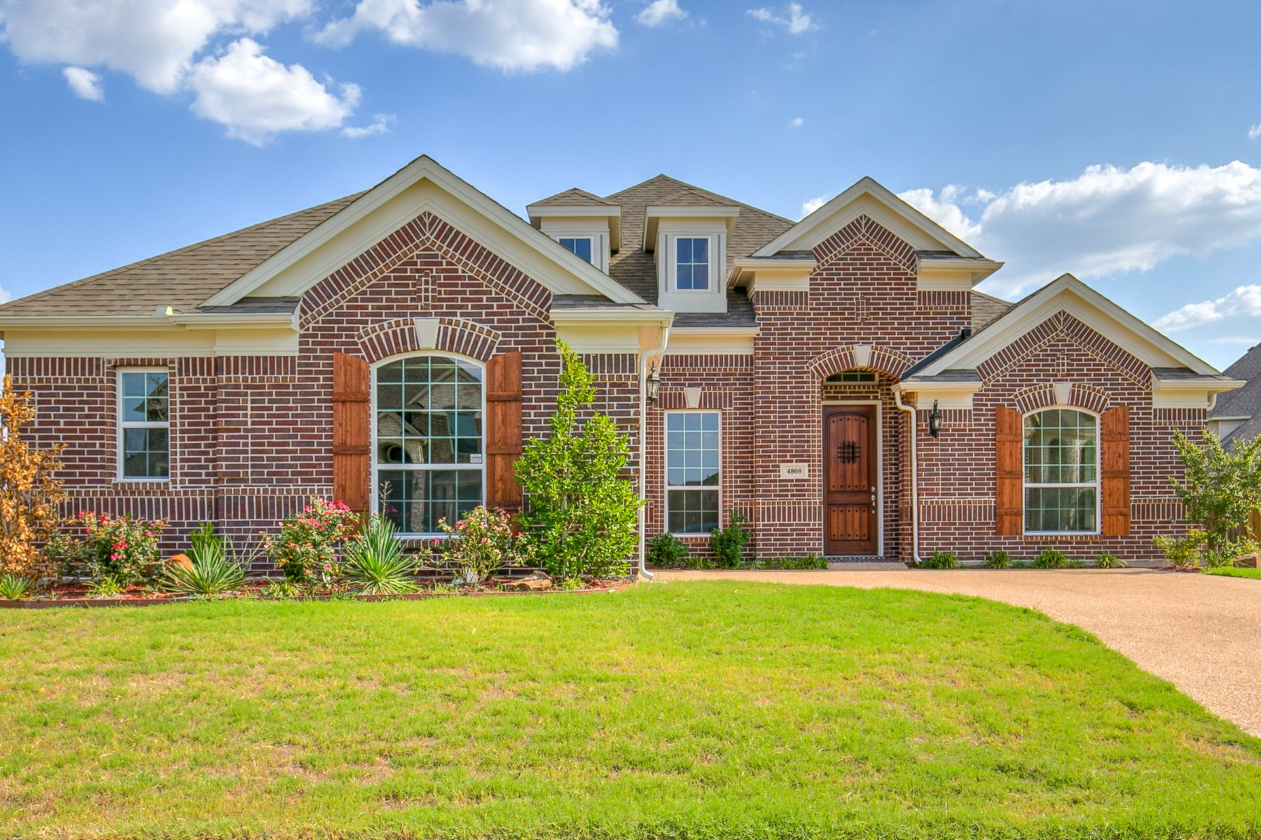 Single Family Homes for Sale at 4808 Comstock Way Mansfield, Texas 76063 United States