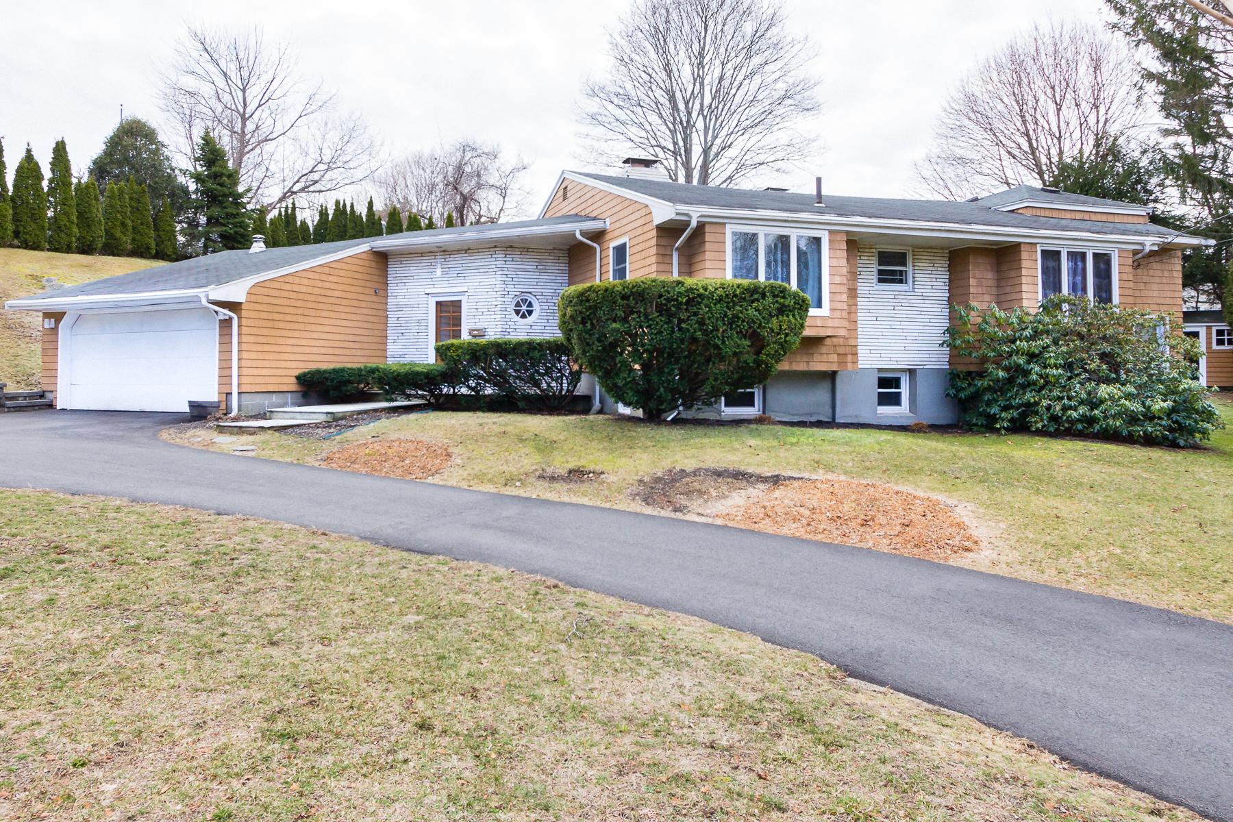 Villa per Vendita alle ore Contemporary Oasis in Private Setting 6 Alexander Circle Marblehead, Massachusetts, 01945 Stati Uniti