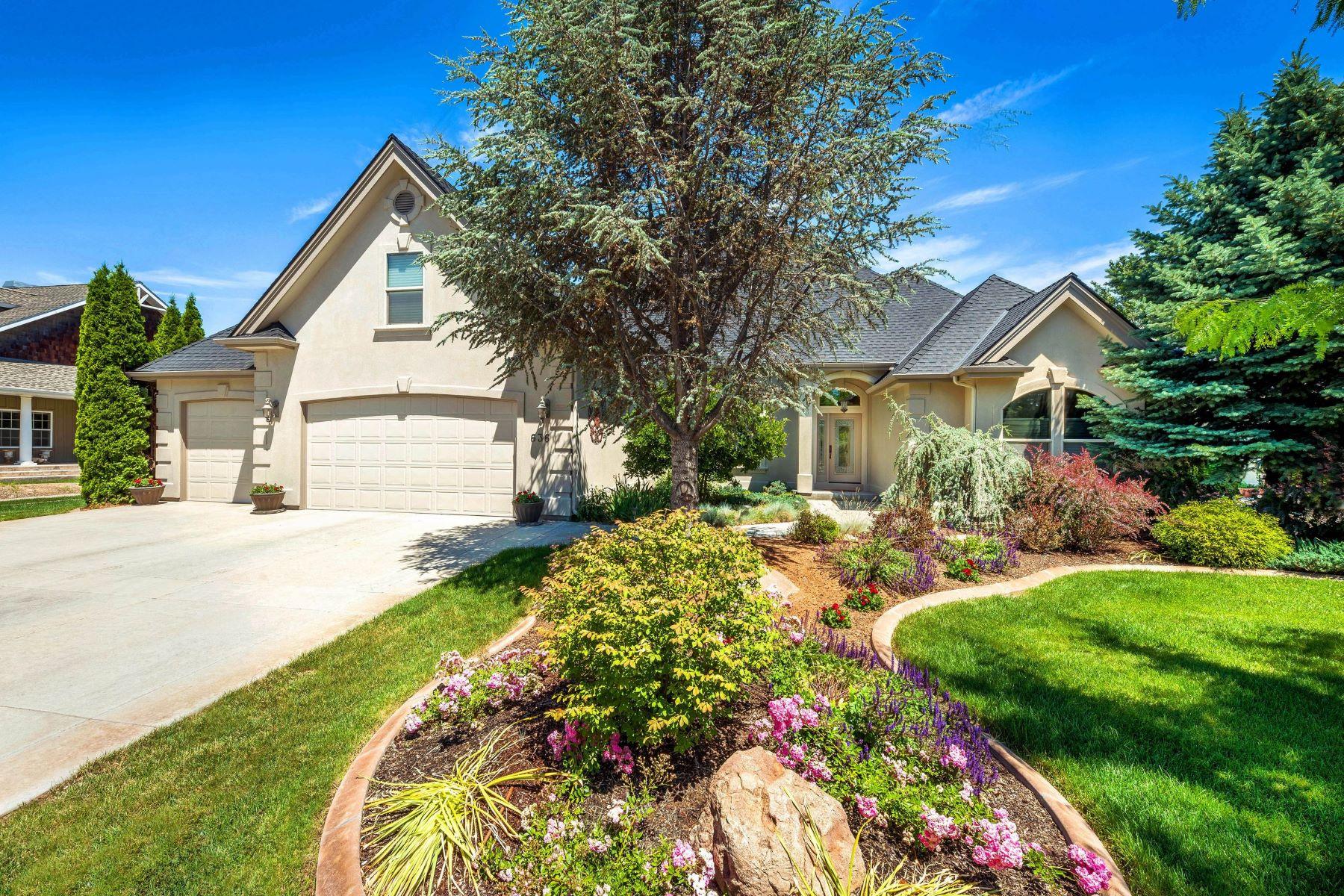 Maison unifamiliale pour l Vente à 636 Colchester Drive, Eagle 636 W Colchester Dr Eagle, Idaho, 83616 États-Unis