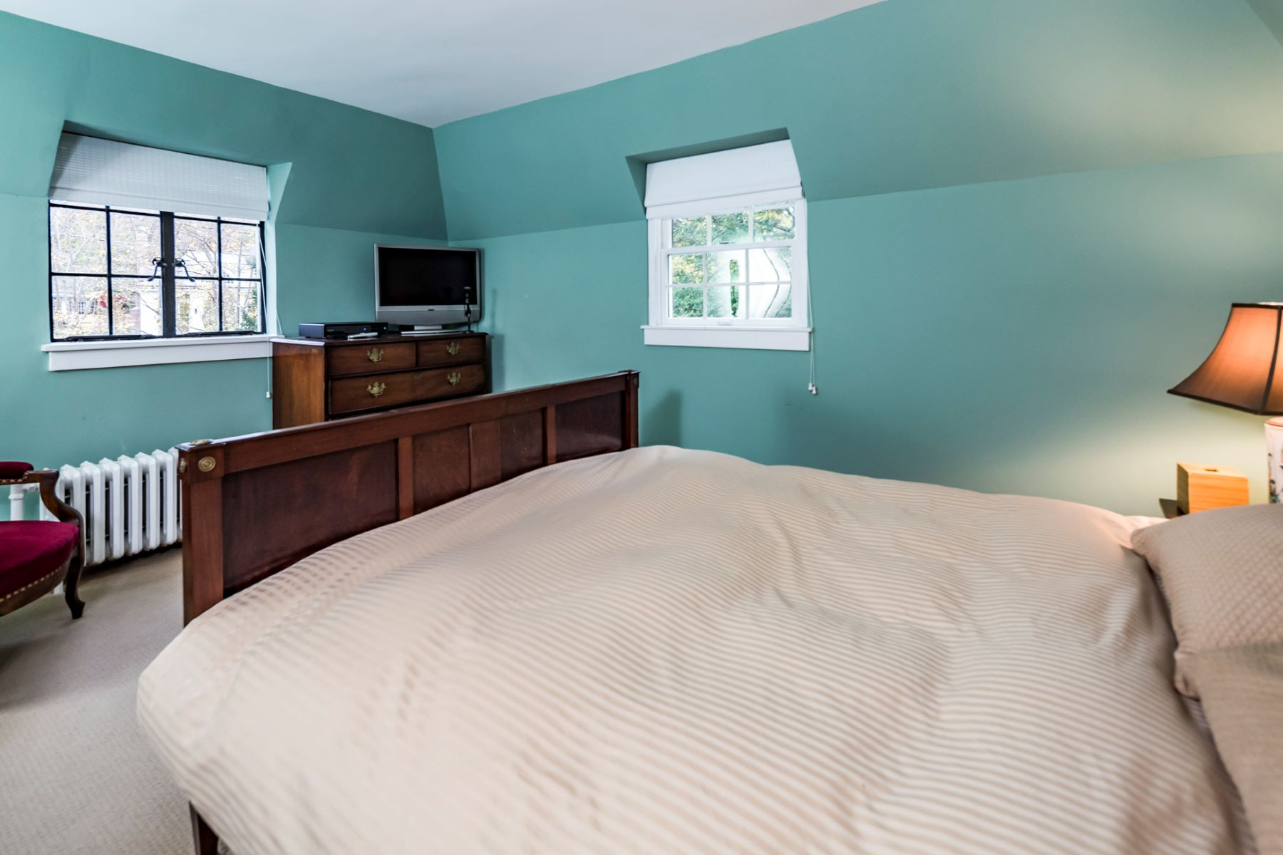 Additional photo for property listing at Just the Right Size in The Western Section 208 Library Place, Princeton, New Jersey 08540 United States