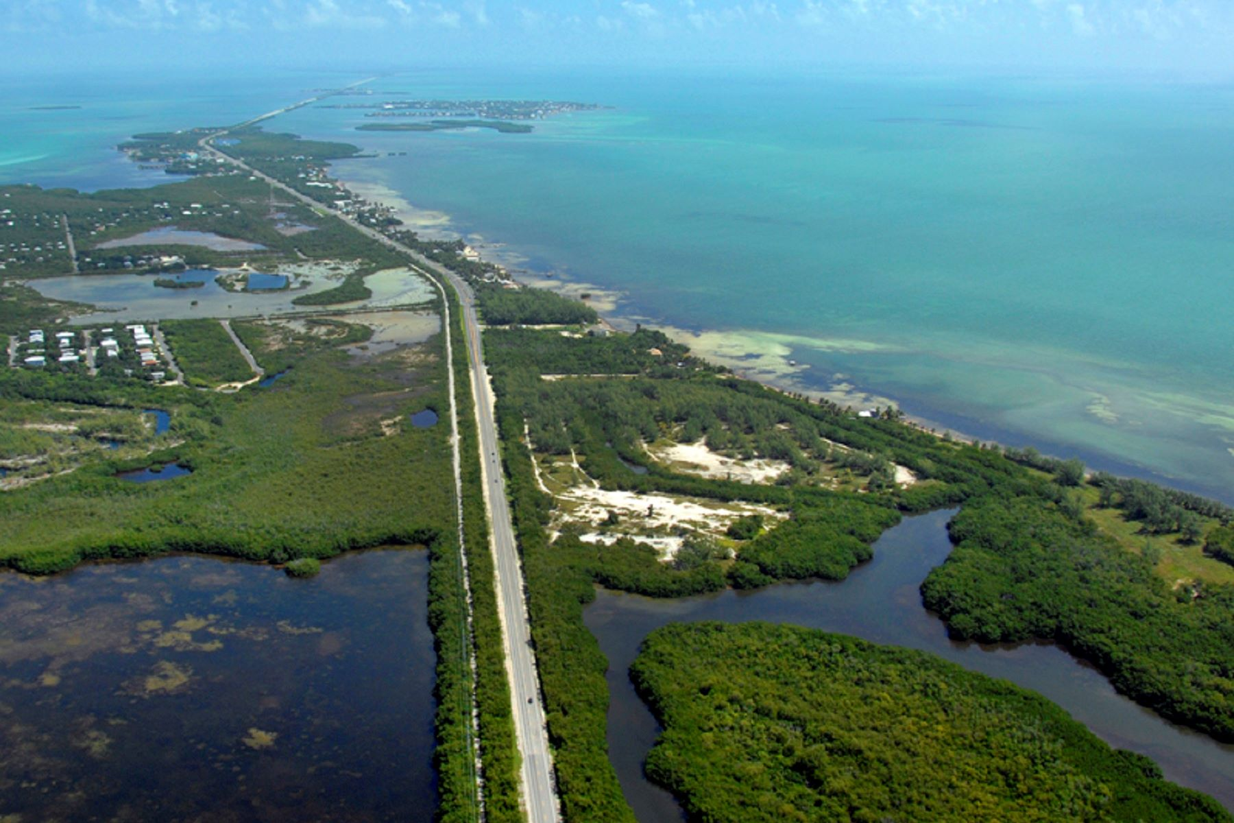 Additional photo for property listing at Private Beach Acreage in the Florida Keys 57290 Overseas Highway Marathon, Florida 33050 Stati Uniti