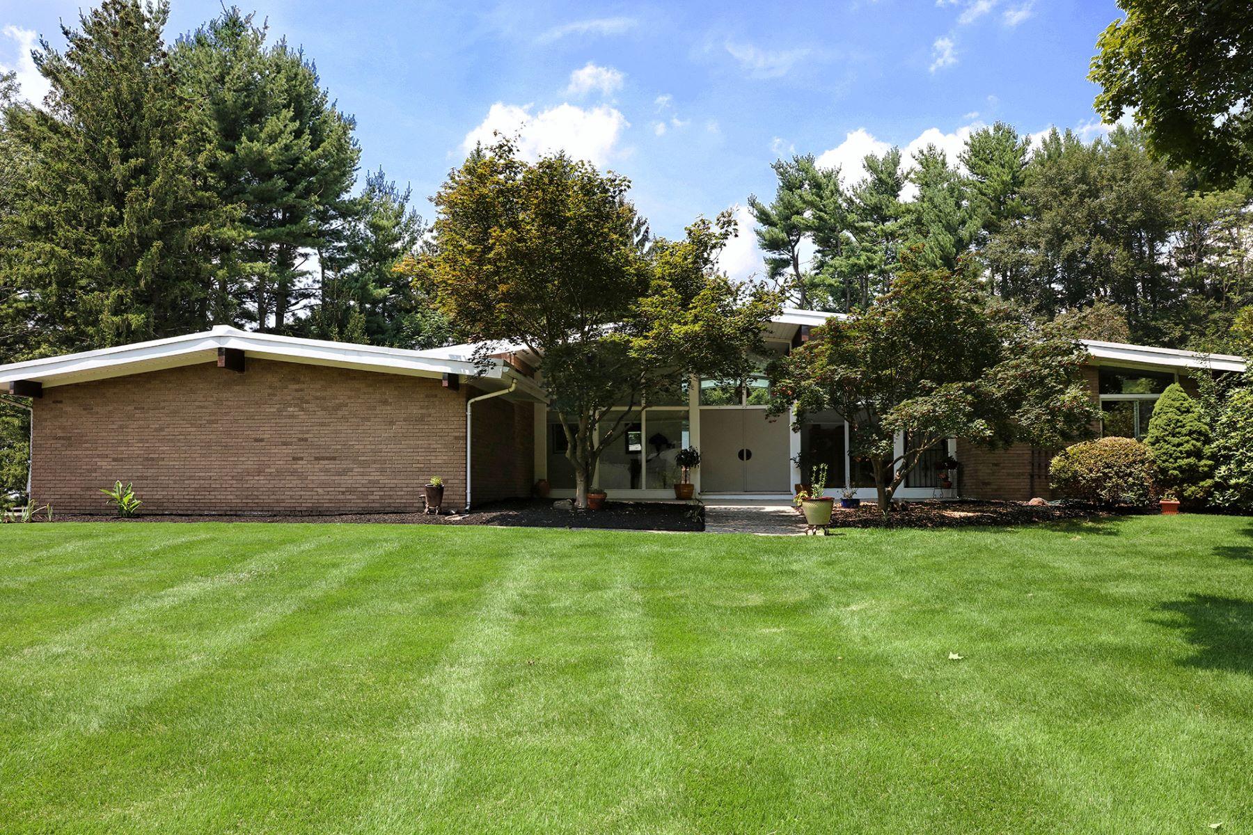独户住宅 为 销售 在 Frank Lloyd Wright meets Max Breuer - Hopewell Township 5 Forrest Edge Drive 泰特斯维尔, 新泽西州, 08560 美国