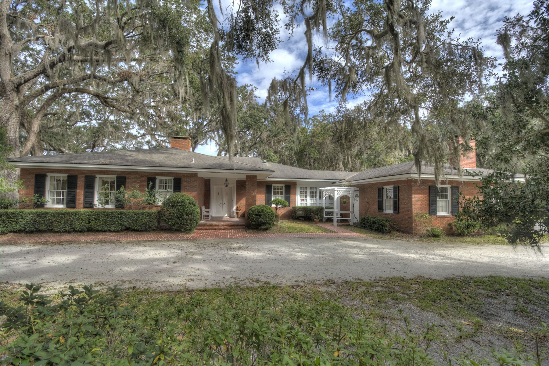 Single Family Home for Sale at 400 Mimosa Drive 400 Mimosa Drive St. Simons Island, Georgia 31522 United States
