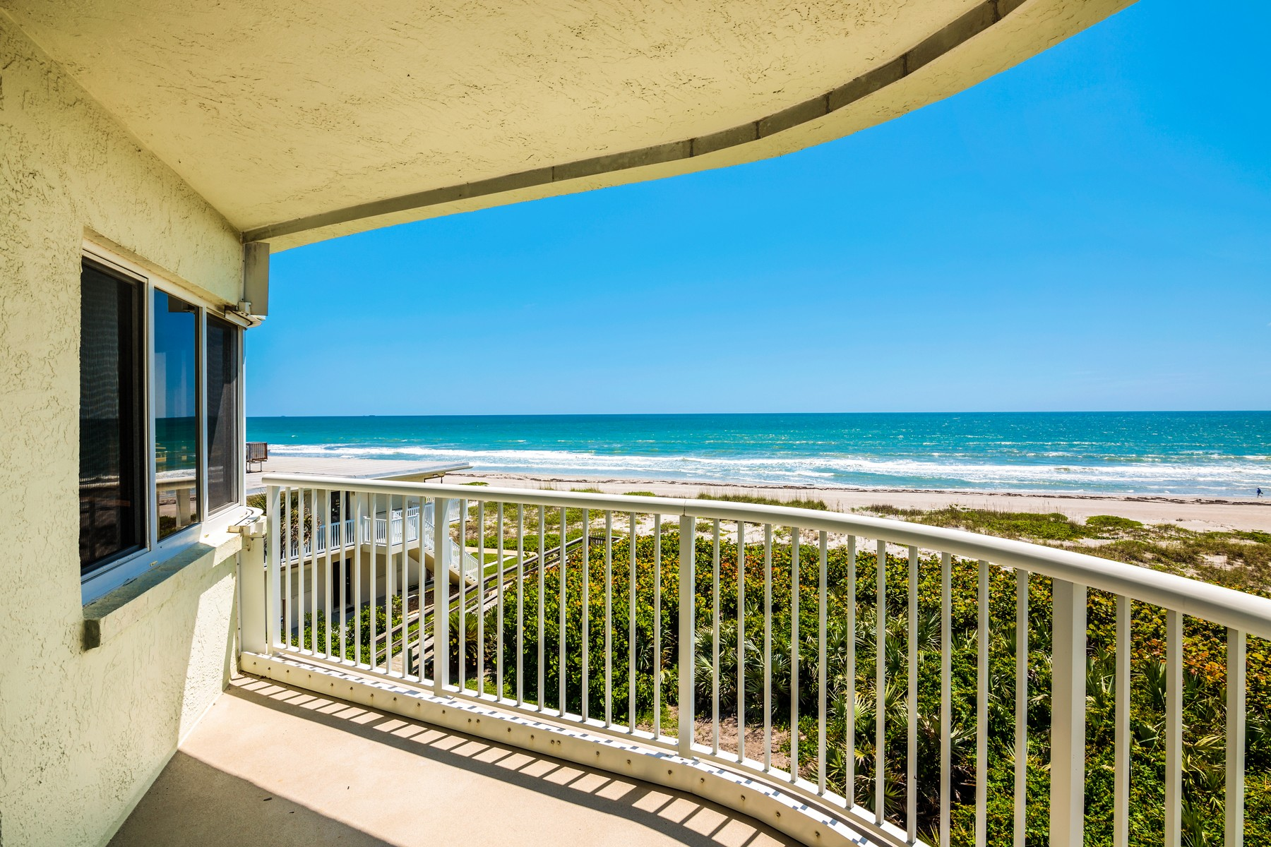 Condominiums por un Venta en Casa Playa 3031 S. Atlantic 302, Cocoa Beach, Florida 32931 Estados Unidos