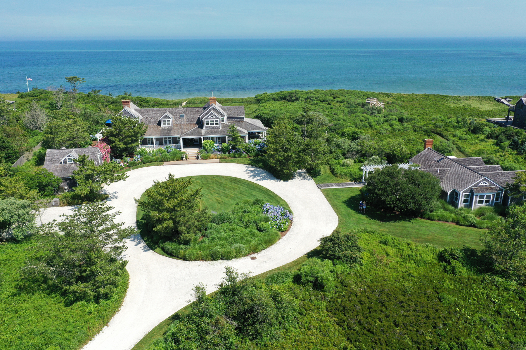 Single Family Homes for Active at 7 BEDROOM NORTH SHORE BEACHFRONT COMPOUND 119 Eel Point Road 119 R Eel Point Road Nantucket, Massachusetts 02554 United States