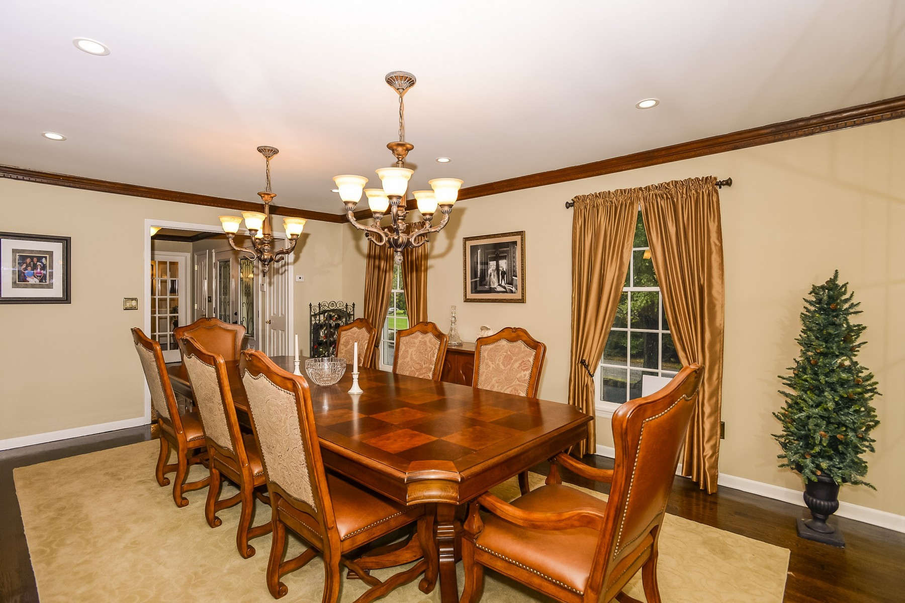 Additional photo for property listing at Spacious Colonial with mother/daughter addition 12 Jennifer Dr. Holmdel, New Jersey 07733 United States
