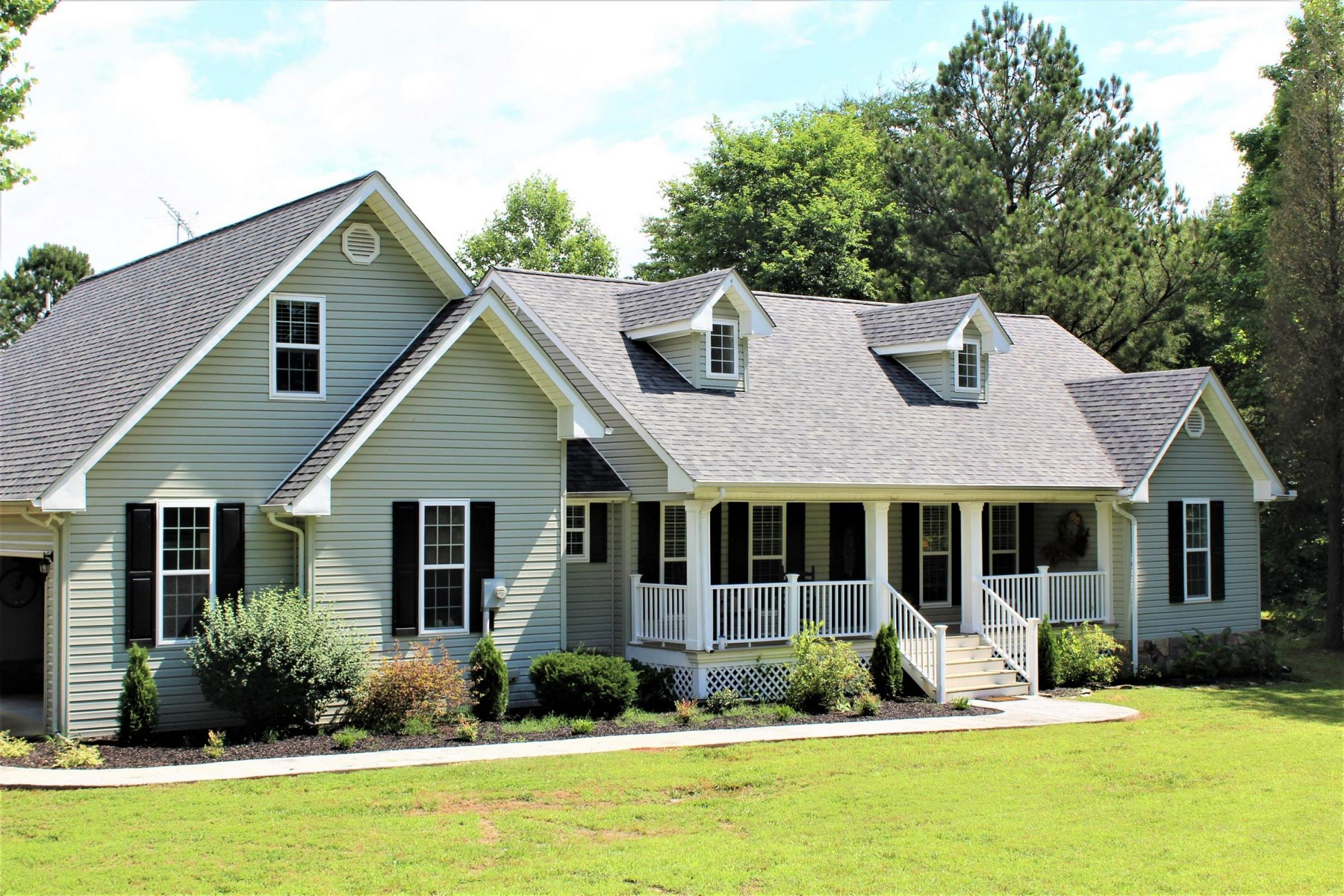 Single Family Home for Sale at Newly Remodeled Cape Cod 213 Fagin Lane Madisonville, Tennessee 37354 United States