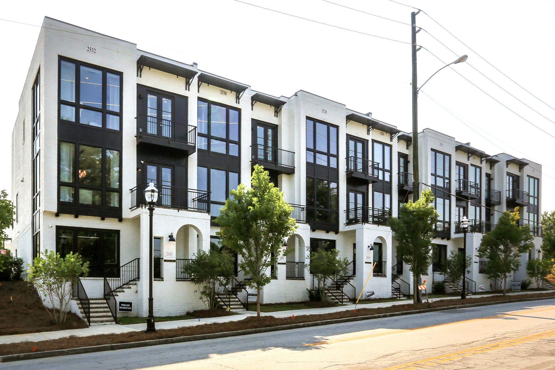 townhouses のために 売買 アット Urban Design Boutique Residential Townhouse 2532 Appleden Place No. 11, Brookhaven, ジョージア 30319 アメリカ
