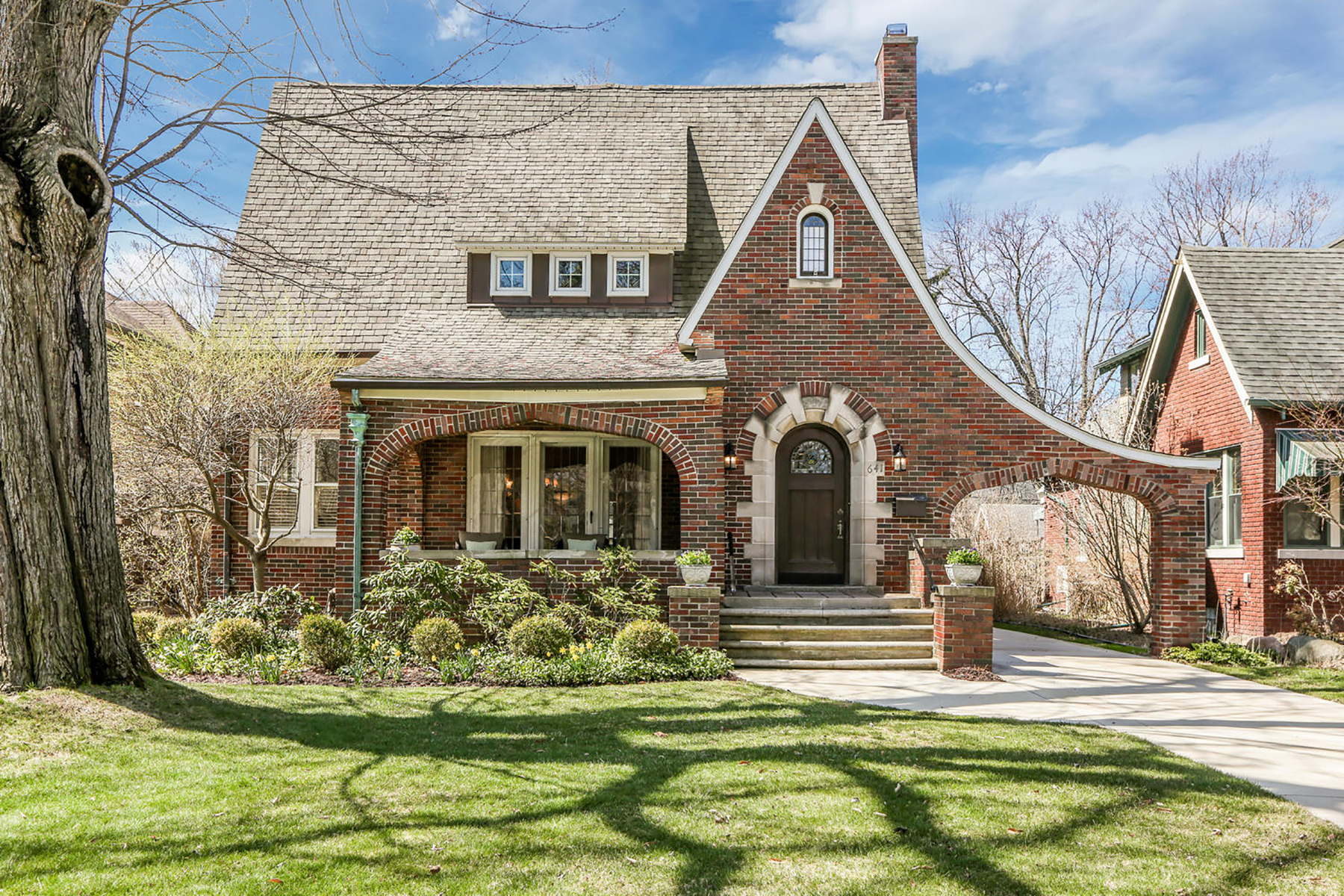 Single Family Homes for Active at Grosse Pointe 641 Washington Road Grosse Pointe, Michigan 48230 United States
