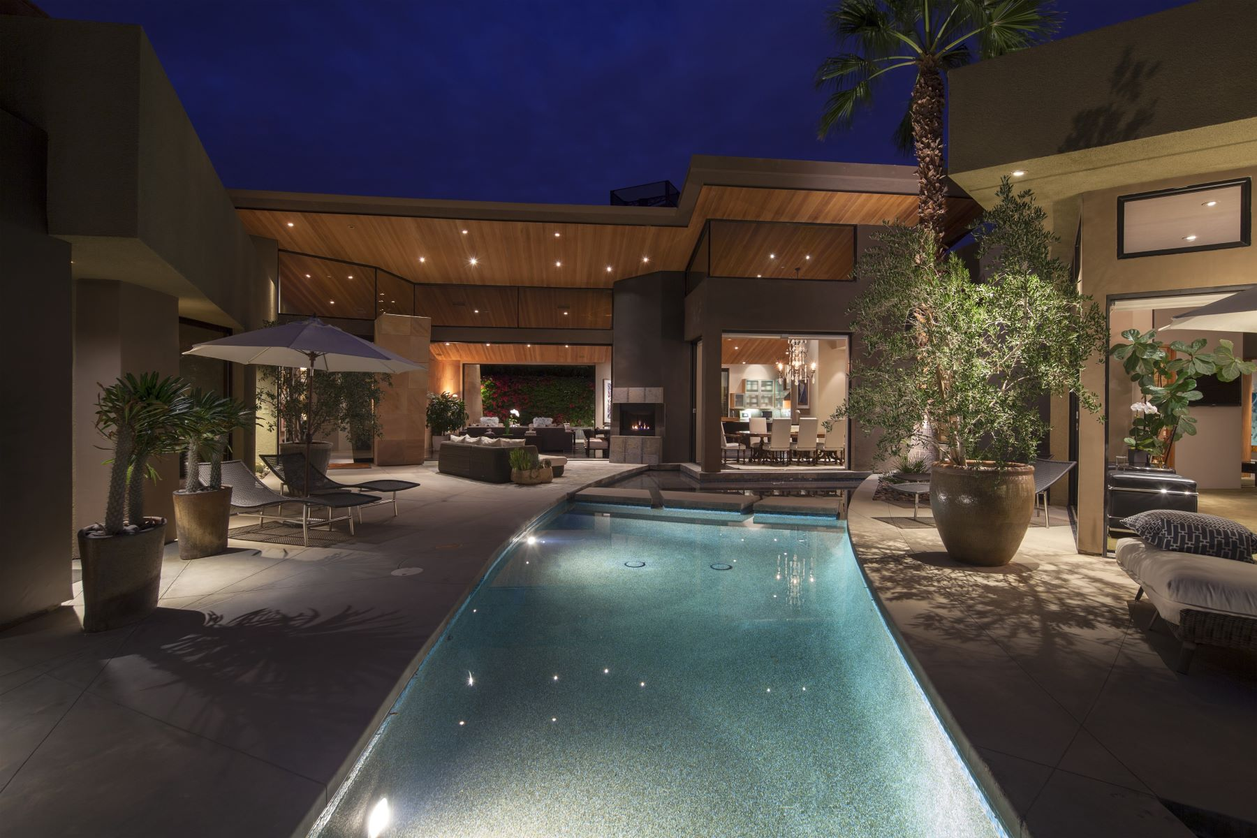Single Family Home for Sale at 278 Patel Place Palm Springs, California, 92264 United States