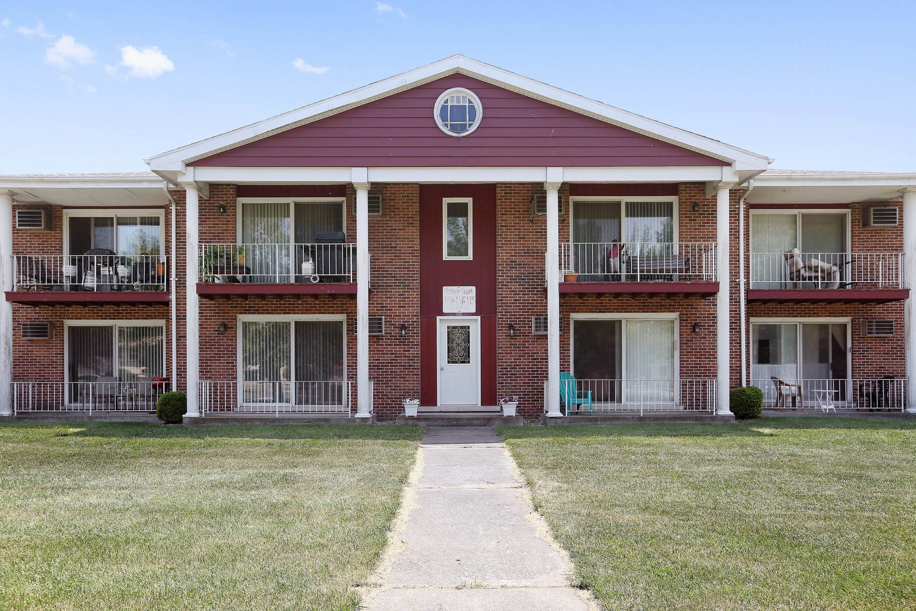 Multi-Family Home for Sale at Incredible turn key investment opportunity 648 Pasadena Avenue Beecher, Illinois 60401 United States