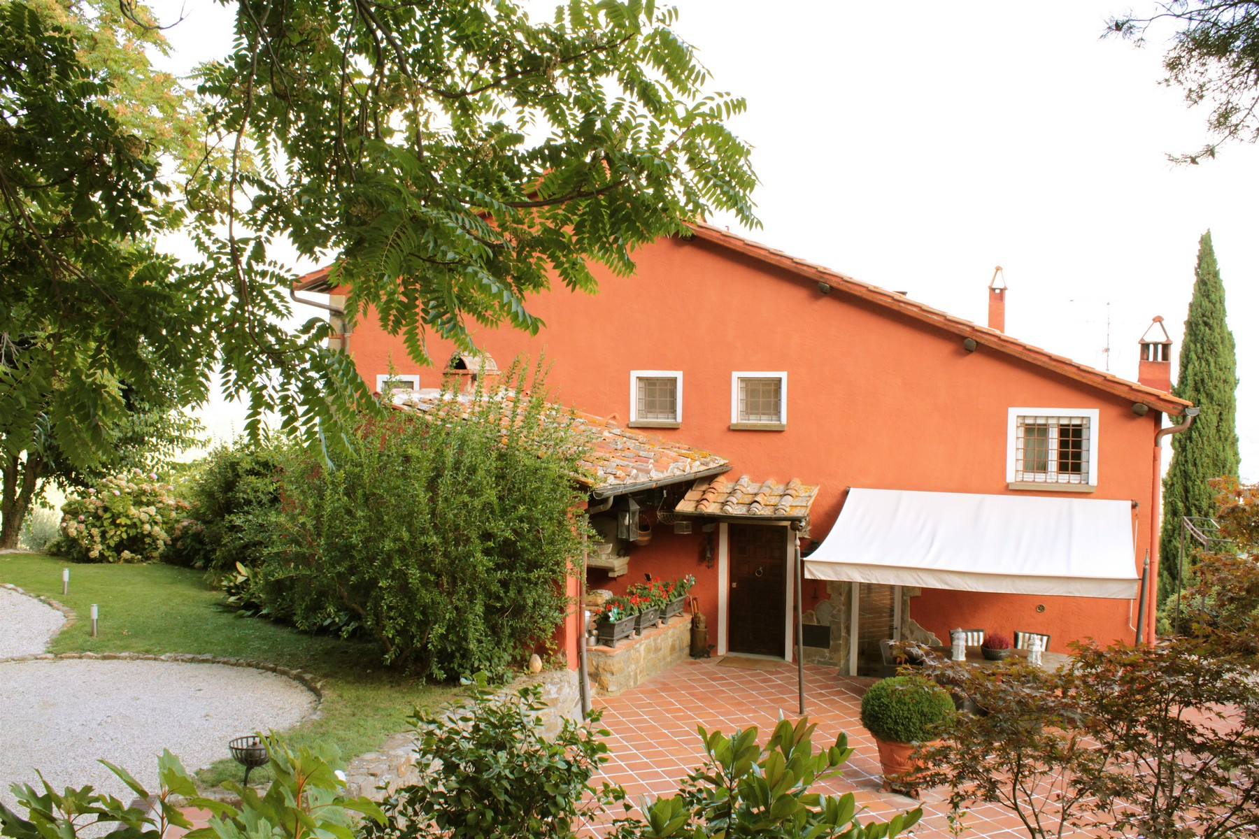 Einfamilienhaus für Verkauf beim Luxury country villa with pool and olive grove in private panoramic position on San Donato in Collina Bagno A Ripoli, Florence 50067 Italien