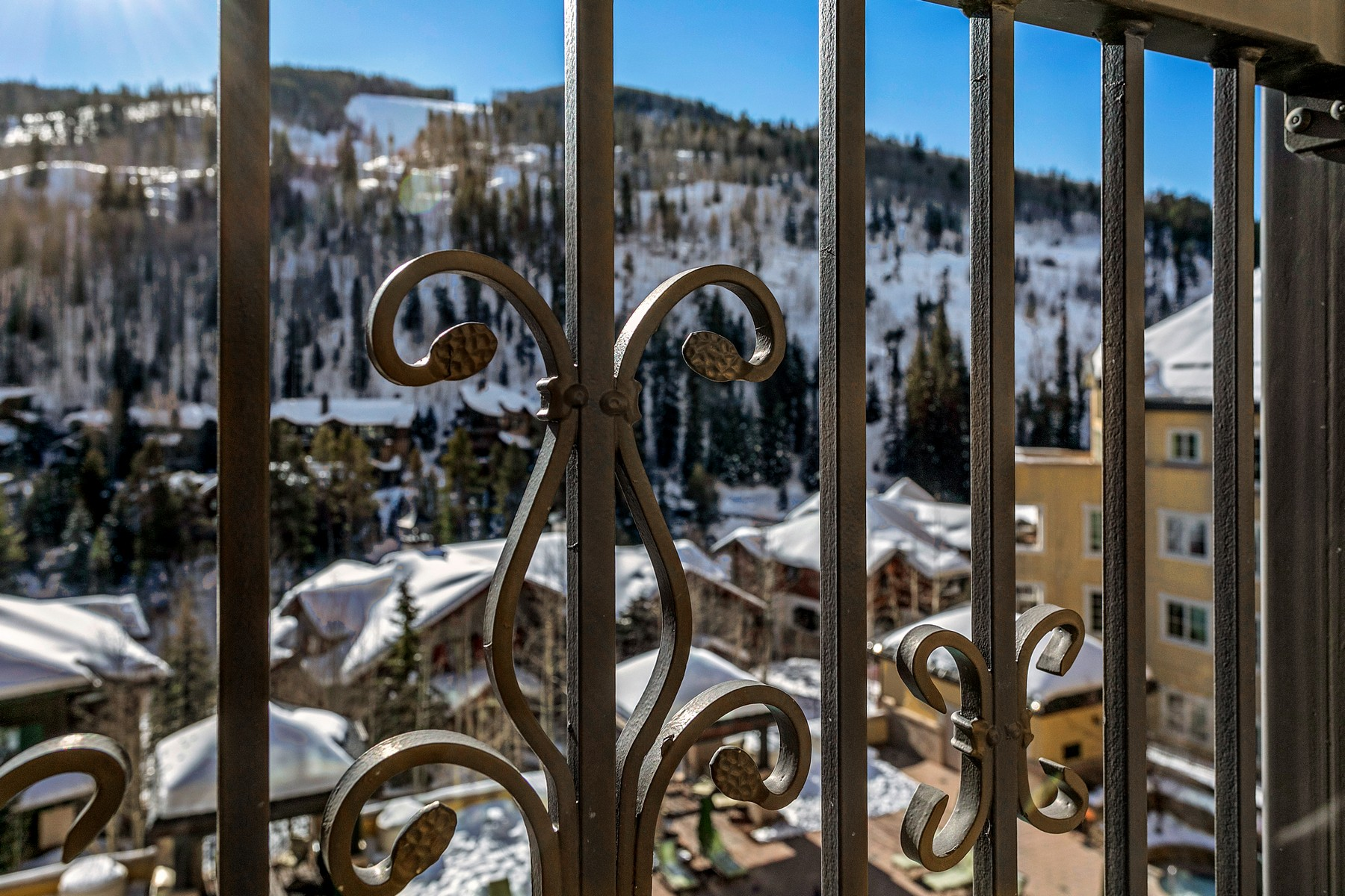 Additional photo for property listing at The Ritz-Carlton Residences R-517 728 West Lionshead Circle R-517 Vail, Colorado 81657 United States