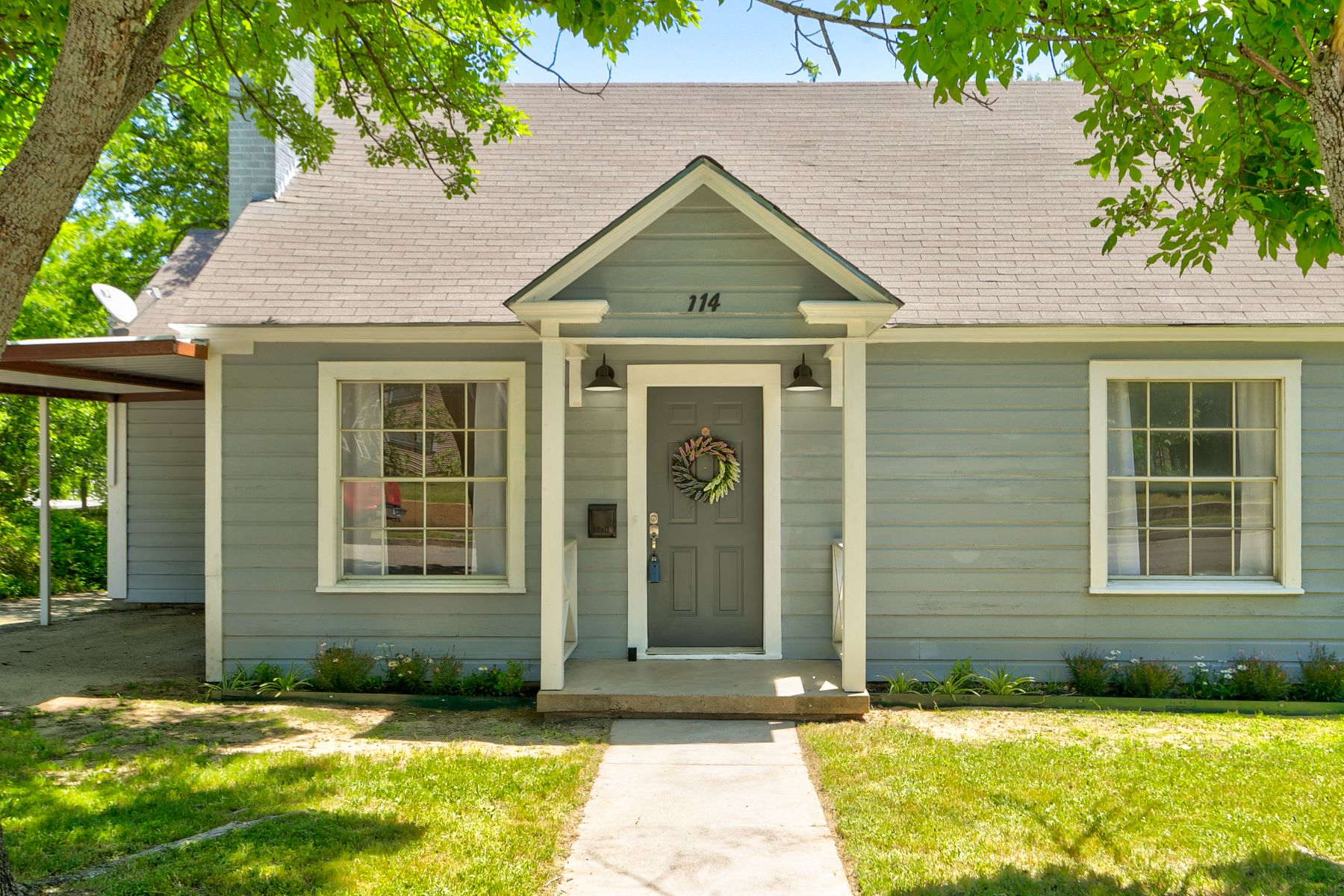 Single Family Homes for Sale at Adorably updated 3 bedroom 114 N Boundary Street, Weatherford, Texas 76086 United States