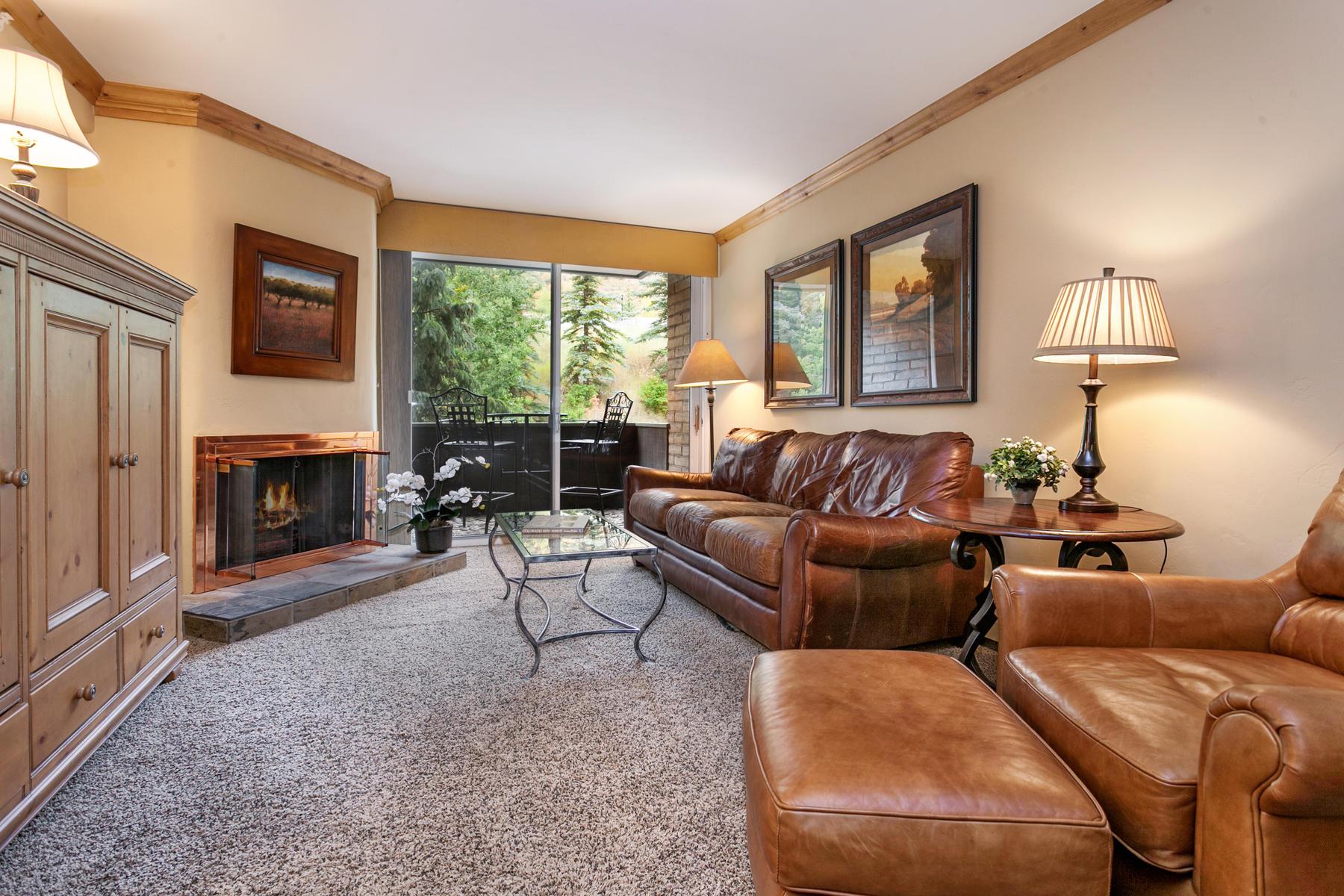 Condomínio para Venda às Mountain Haus #221 292 E Meadow Drive #221 Vail Village, Vail, Colorado, 81657 Estados Unidos