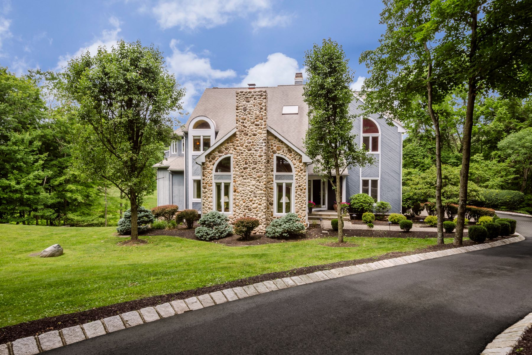 Single Family Homes for Sale at Beautiful Custom Home With Picture Perfect Views 12 Pond View Lane, Titusville, New Jersey 08560 United States