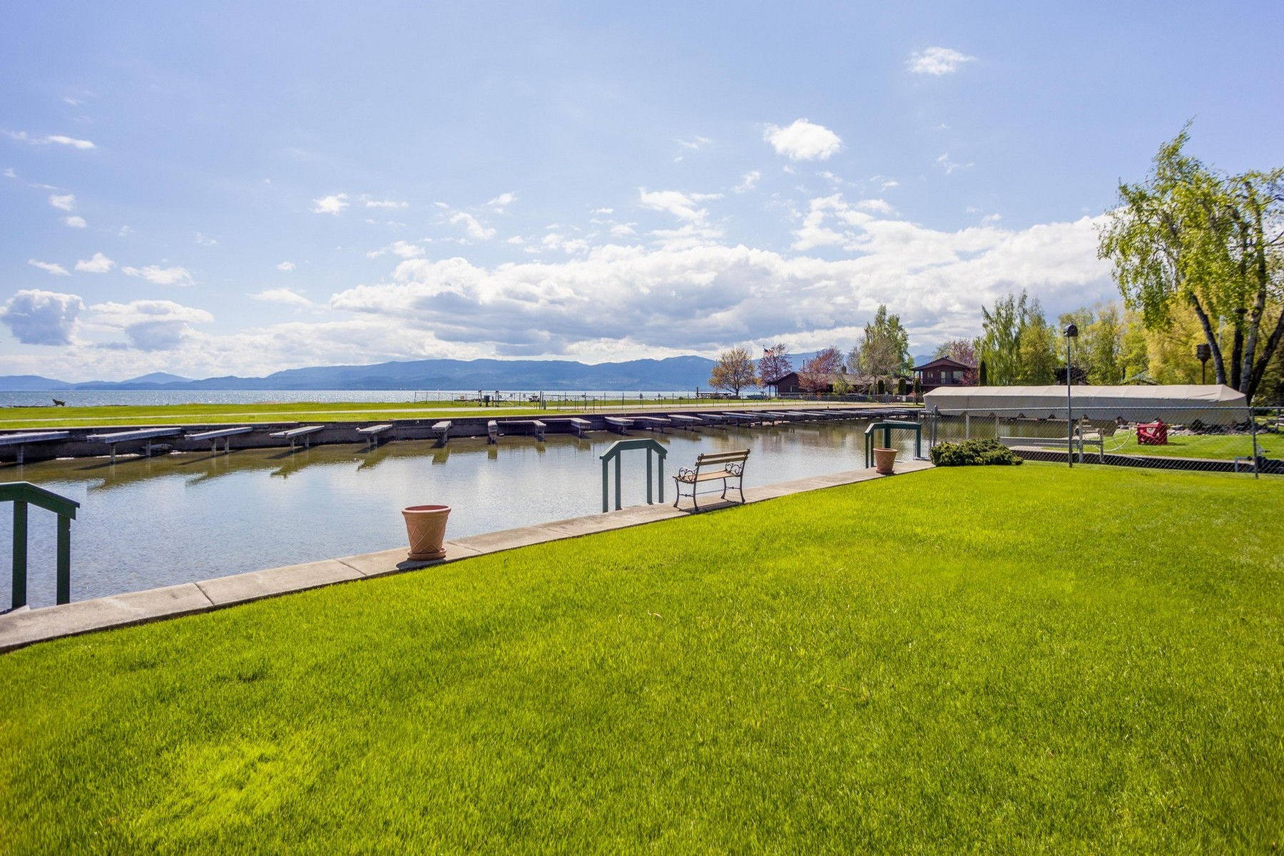 Additional photo for property listing at 160 Parkway Ave , Bigfork, MT 59911 160  Parkway Ave Bigfork, Montana 59911 United States